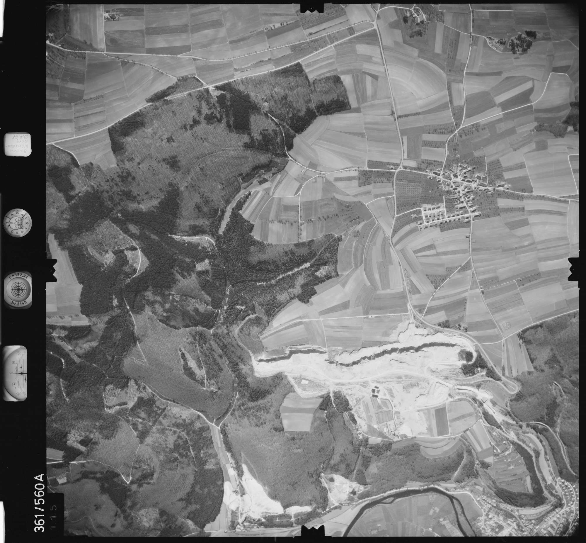Luftbild: Film 40 Bildnr. 115, Bild 1