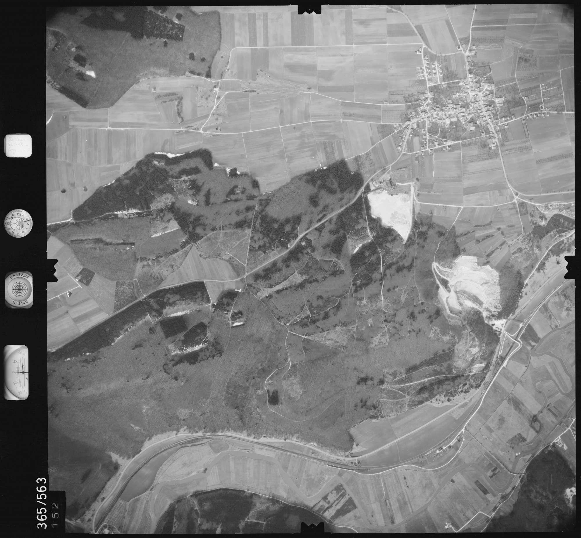 Luftbild: Film 35 Bildnr. 152, Bild 1