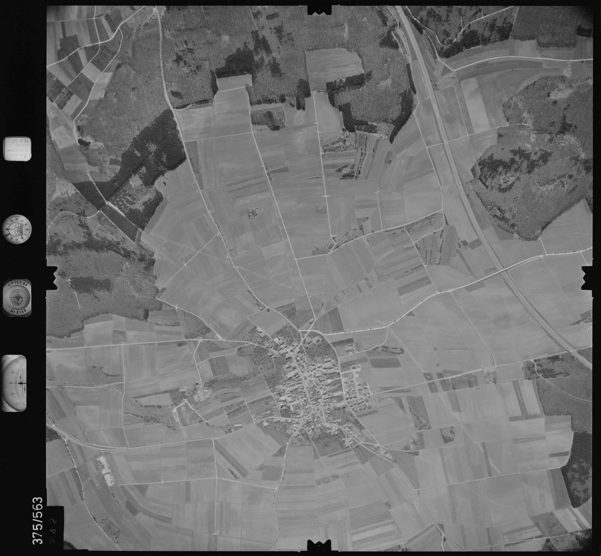 Luftbild: Film 32 Bildnr. 242, Bild 1