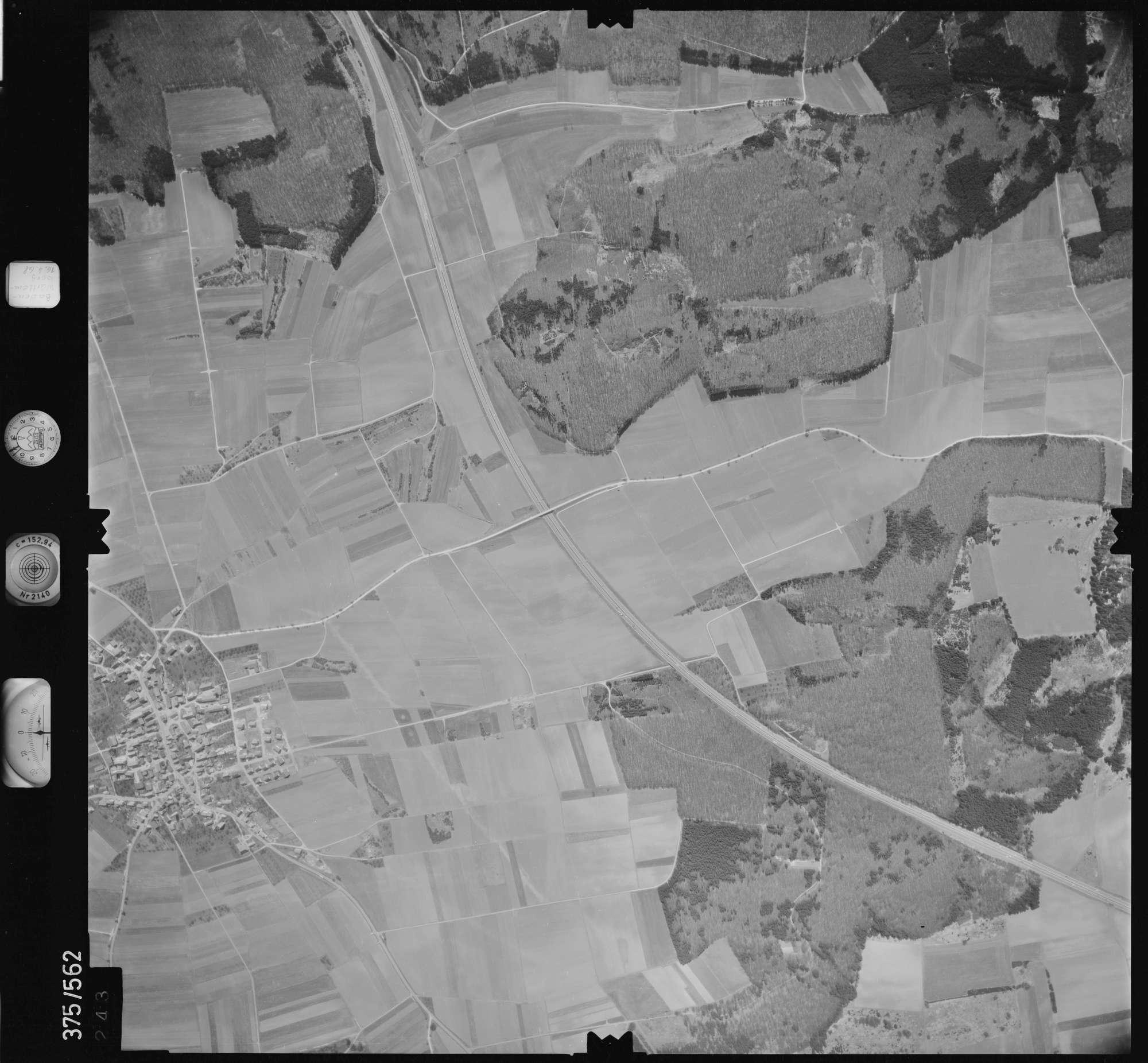 Luftbild: Film 32 Bildnr. 243, Bild 1