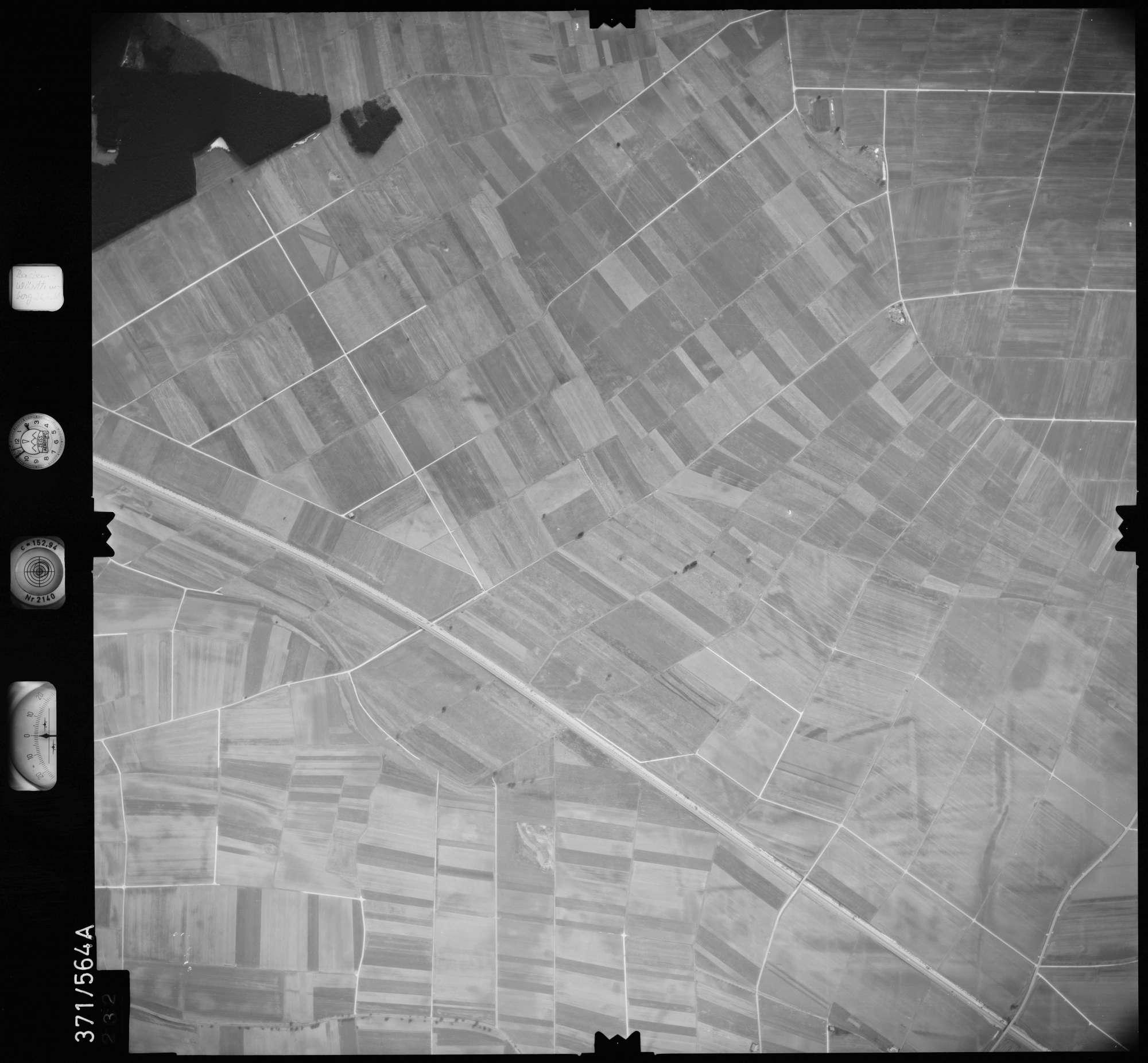 Luftbild: Film 35 Bildnr. 232, Bild 1