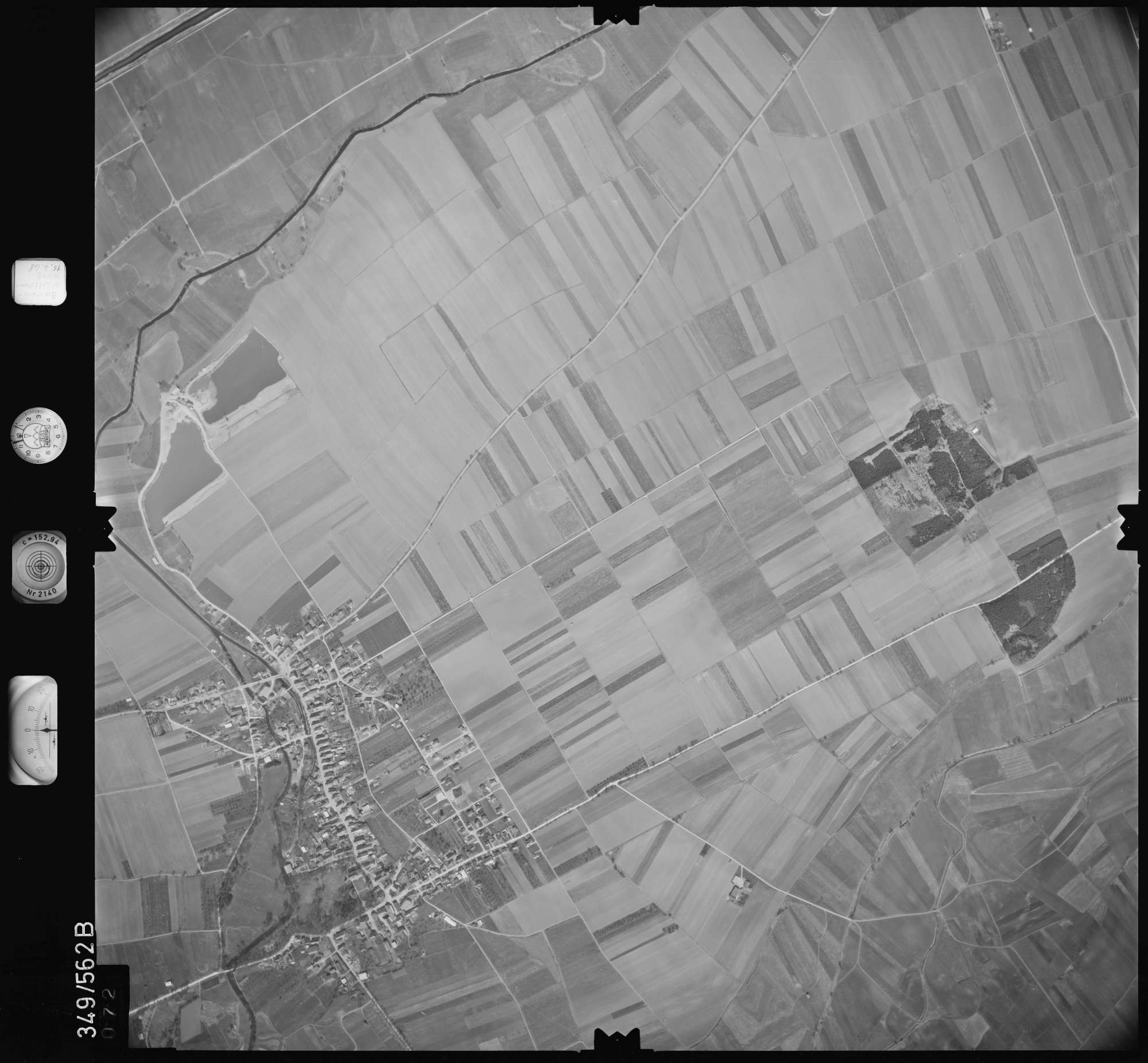 Luftbild: Film 45 Bildnr. 72, Bild 1