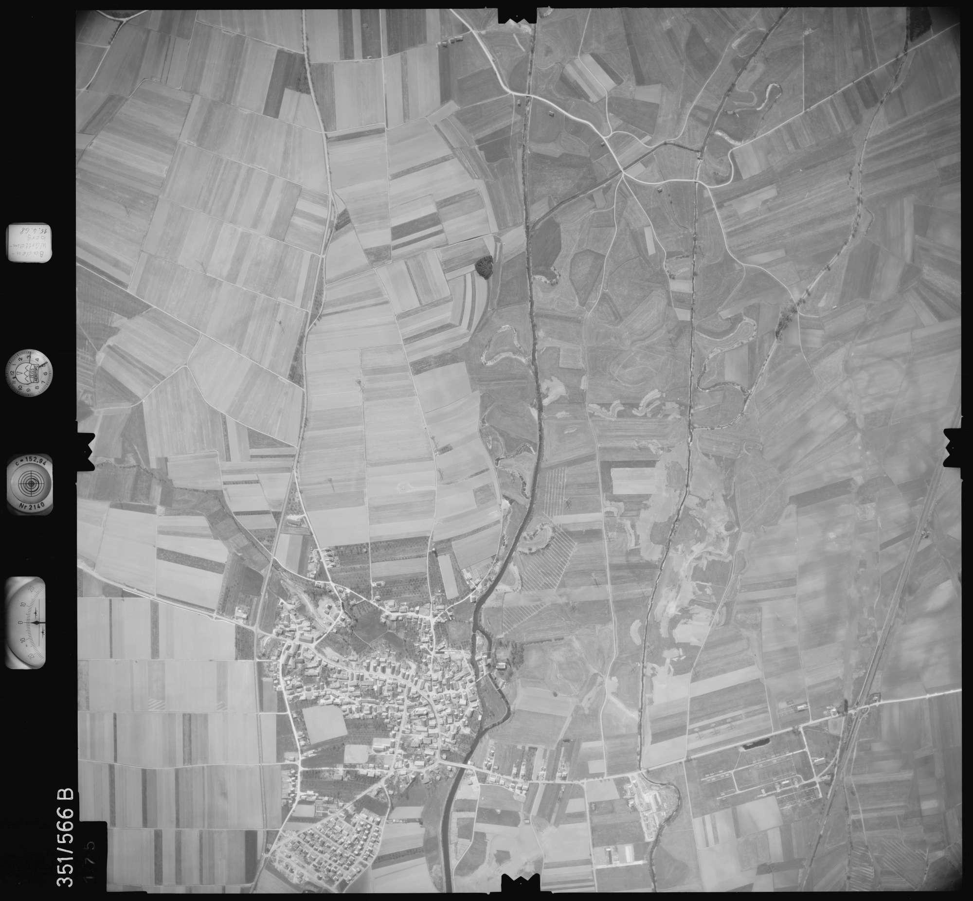 Luftbild: Film 105 Bildnr. 175, Bild 1