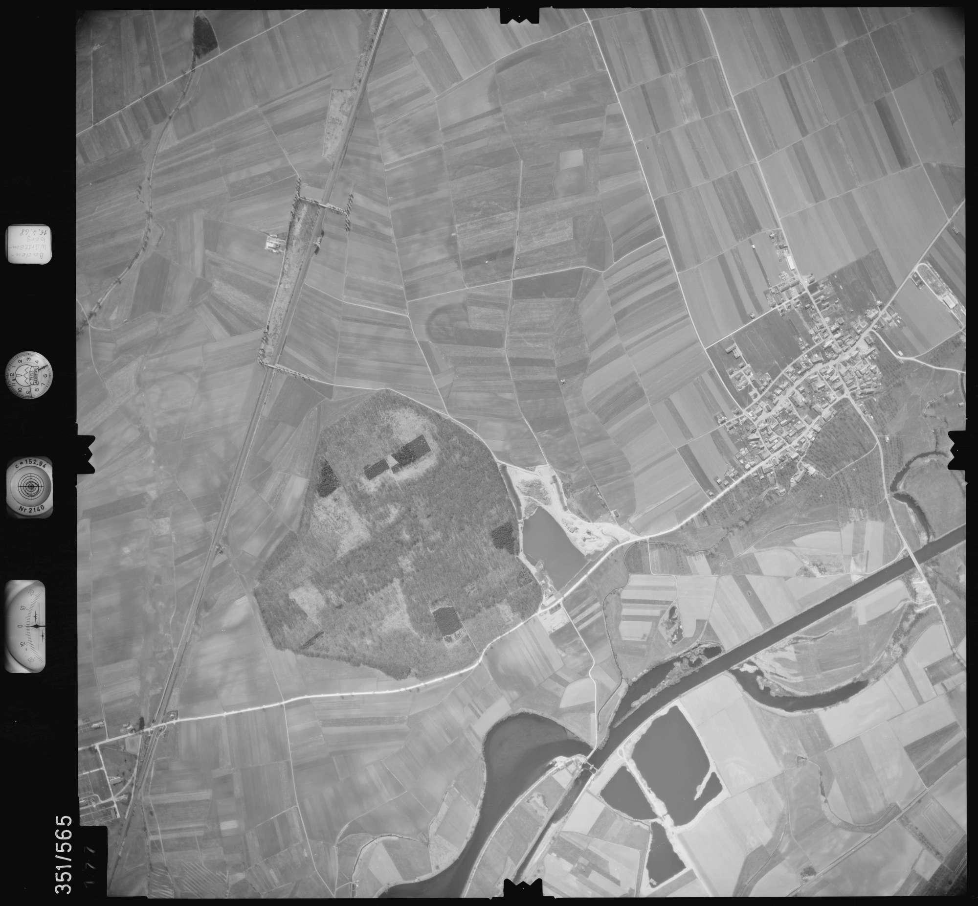 Luftbild: Film 105 Bildnr. 177, Bild 1