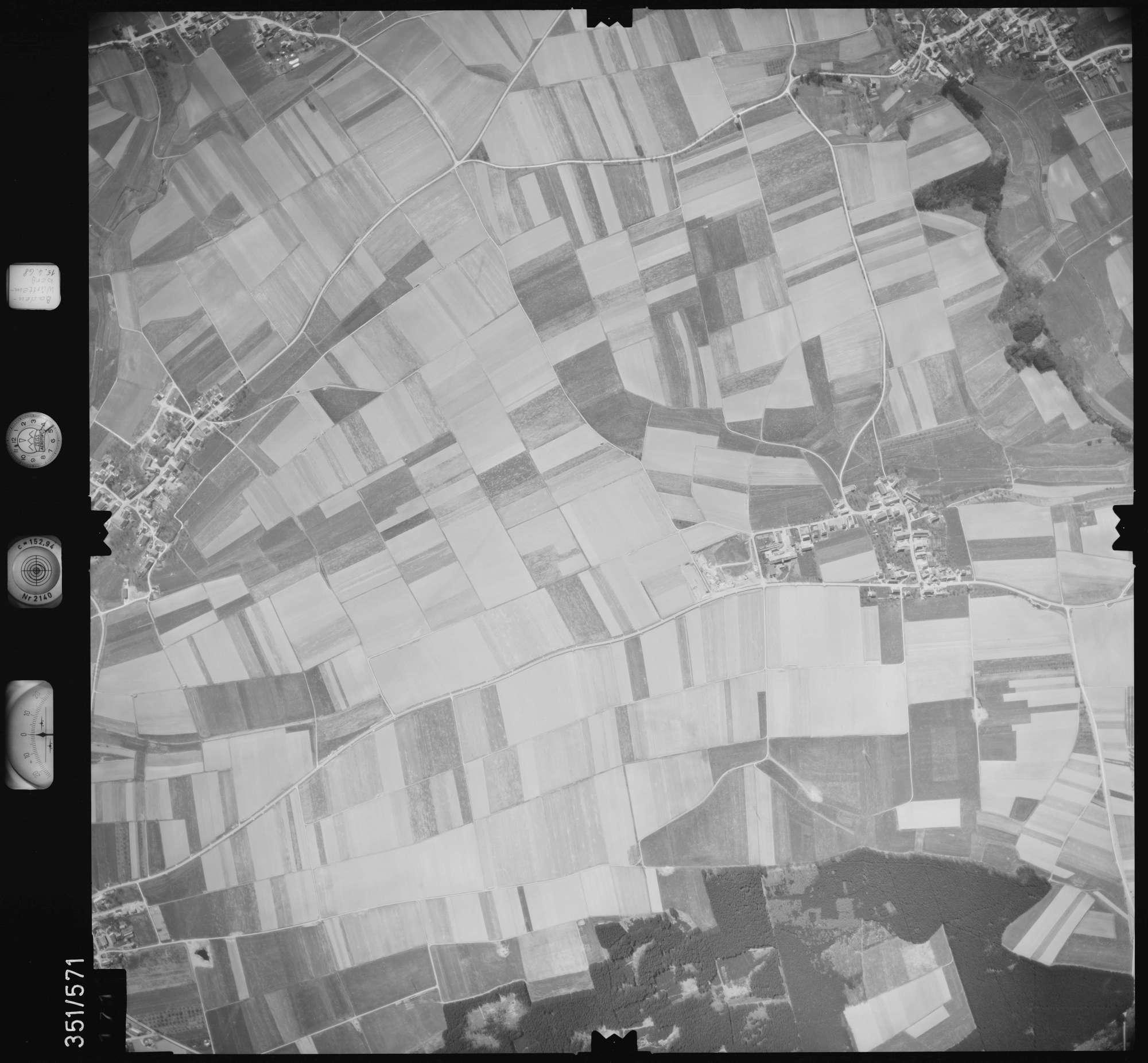 Luftbild: Film 105 Bildnr. 171, Bild 1