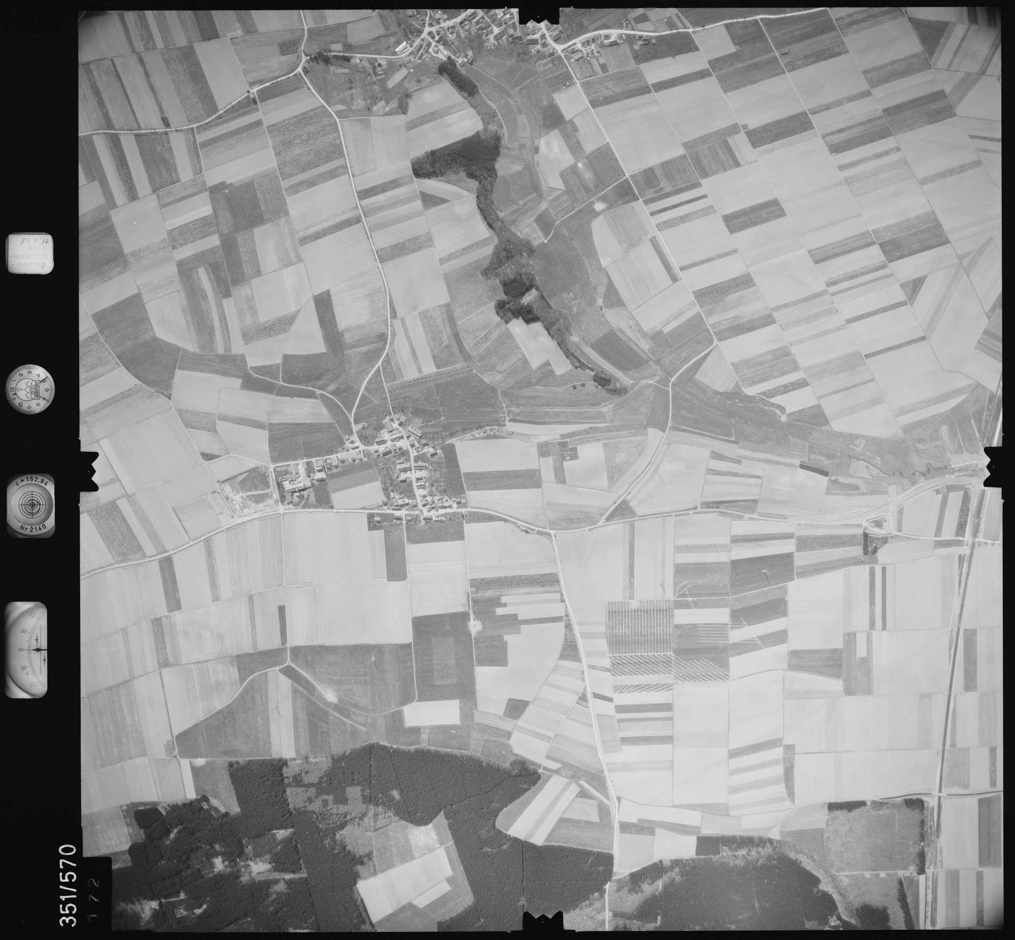 Luftbild: Film 105 Bildnr. 172, Bild 1