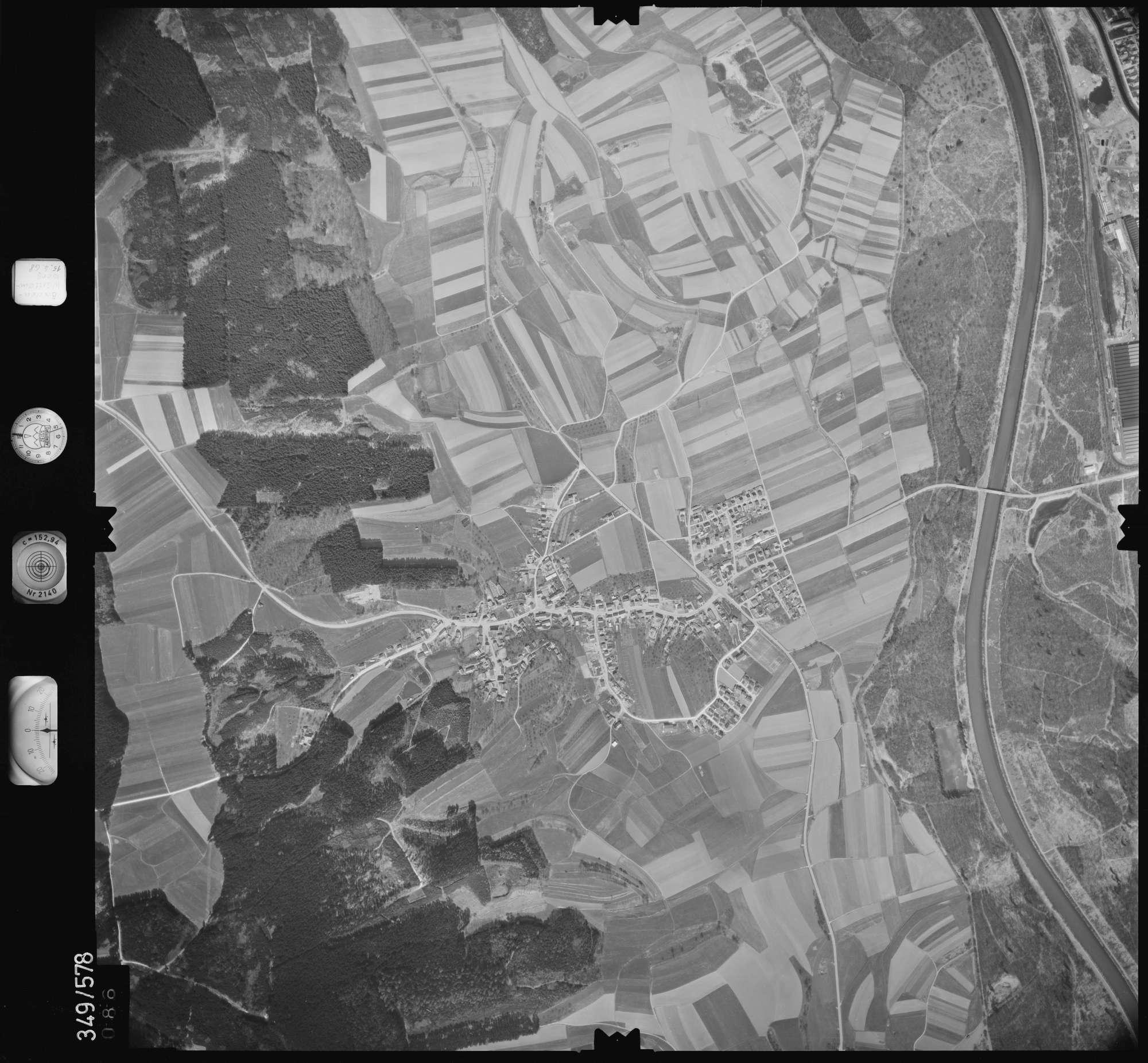 Luftbild: Film 45 Bildnr. 86, Bild 1