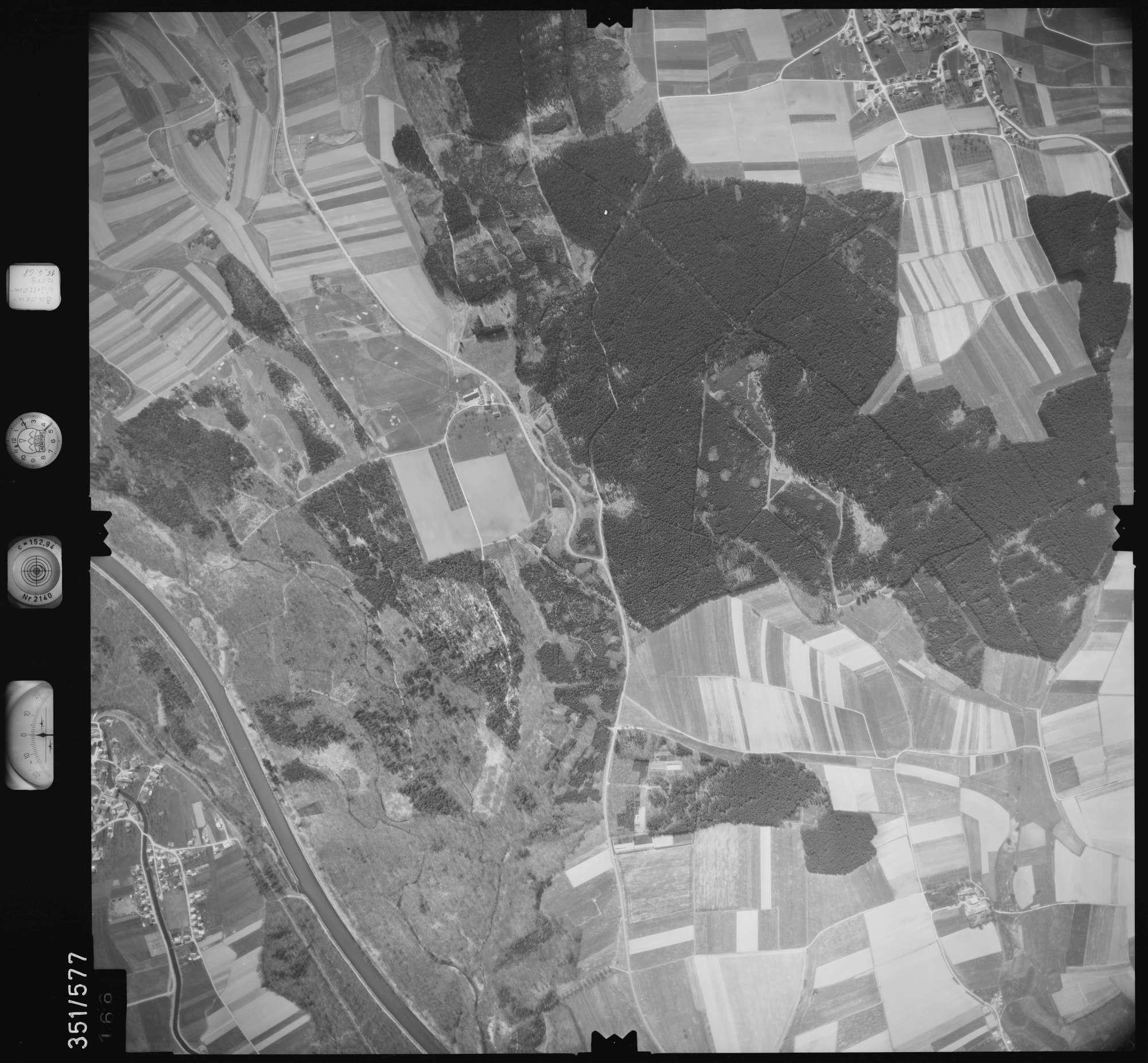 Luftbild: Film 105 Bildnr. 166, Bild 1