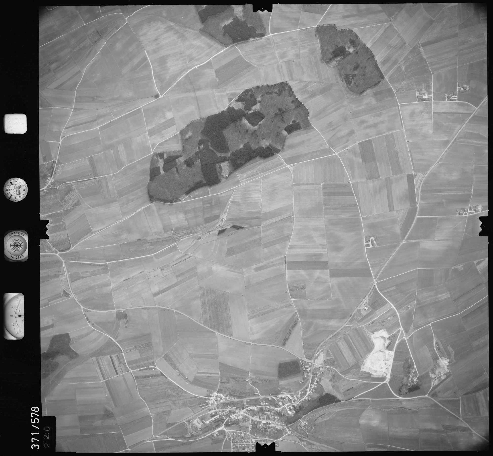 Luftbild: Film 35 Bildnr. 220, Bild 1