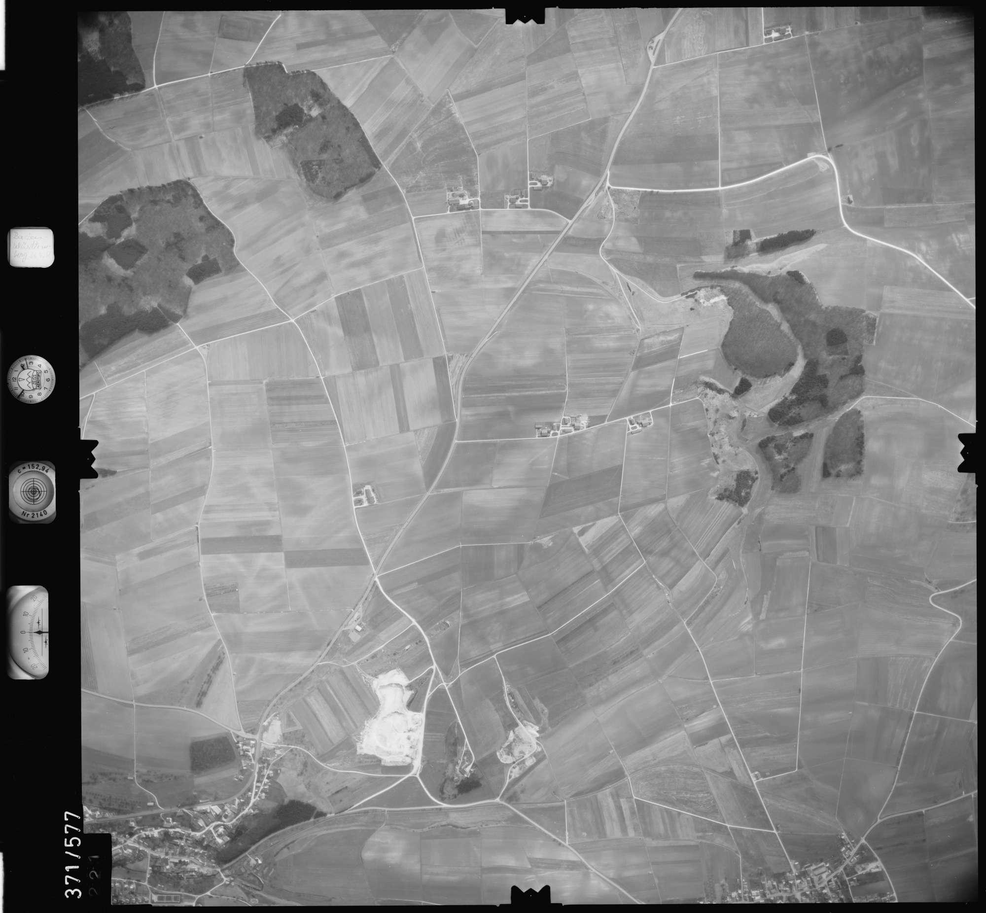Luftbild: Film 35 Bildnr. 221, Bild 1