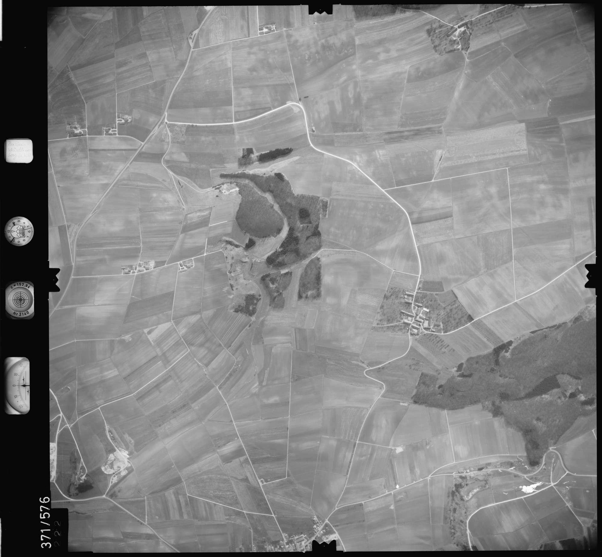 Luftbild: Film 35 Bildnr. 222, Bild 1