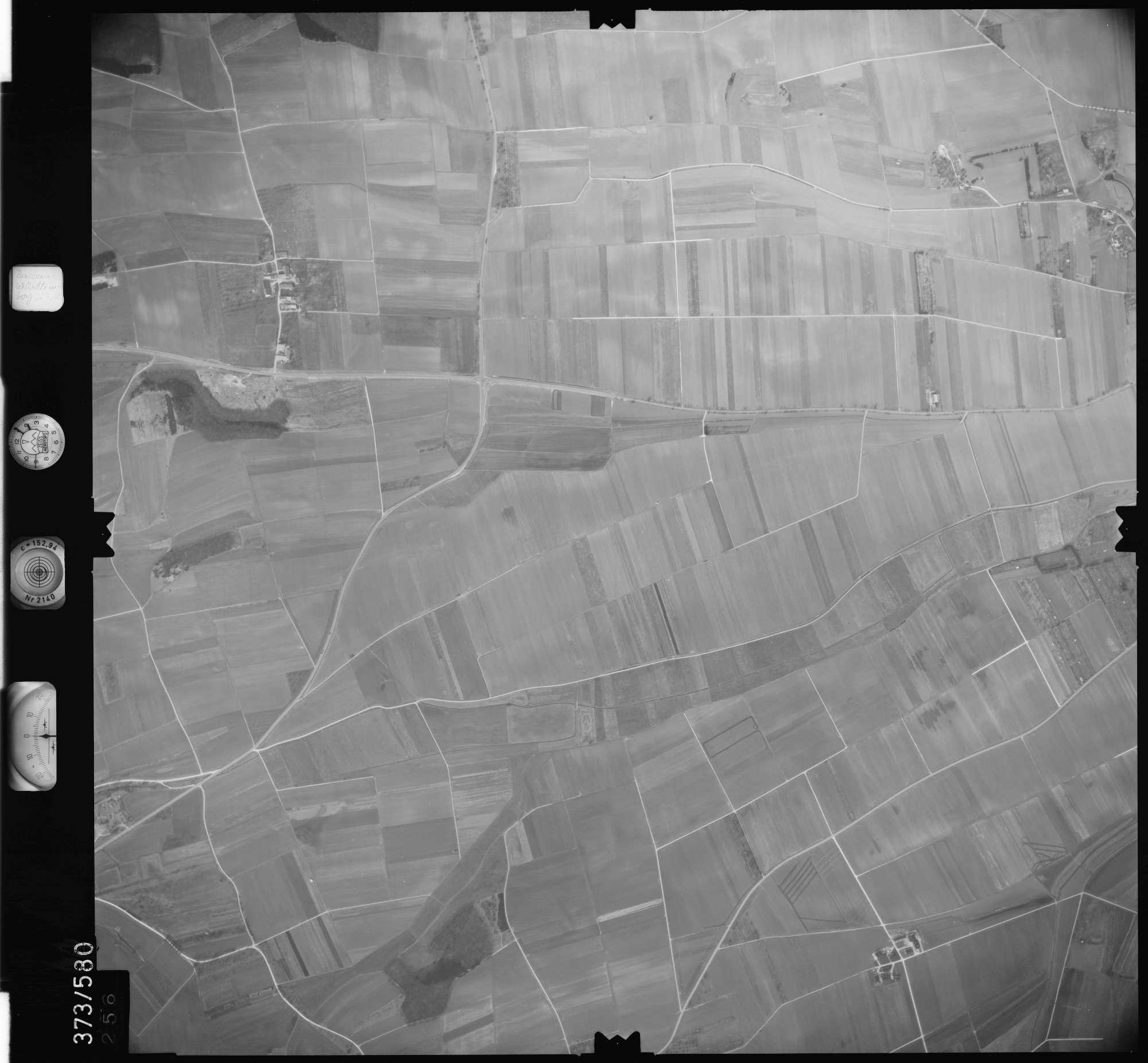 Luftbild: Film 35 Bildnr. 256, Bild 1
