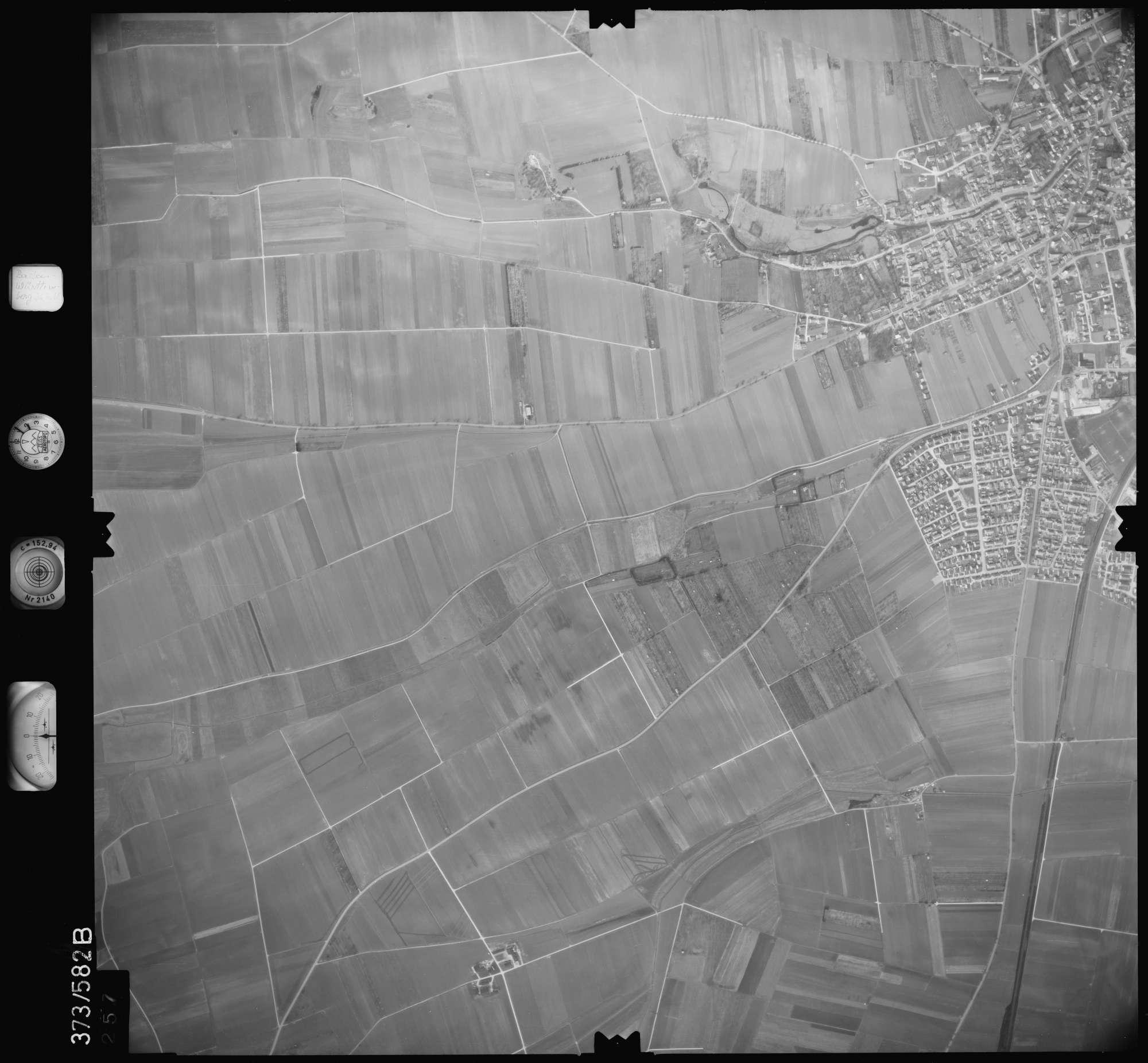 Luftbild: Film 35 Bildnr. 257, Bild 1