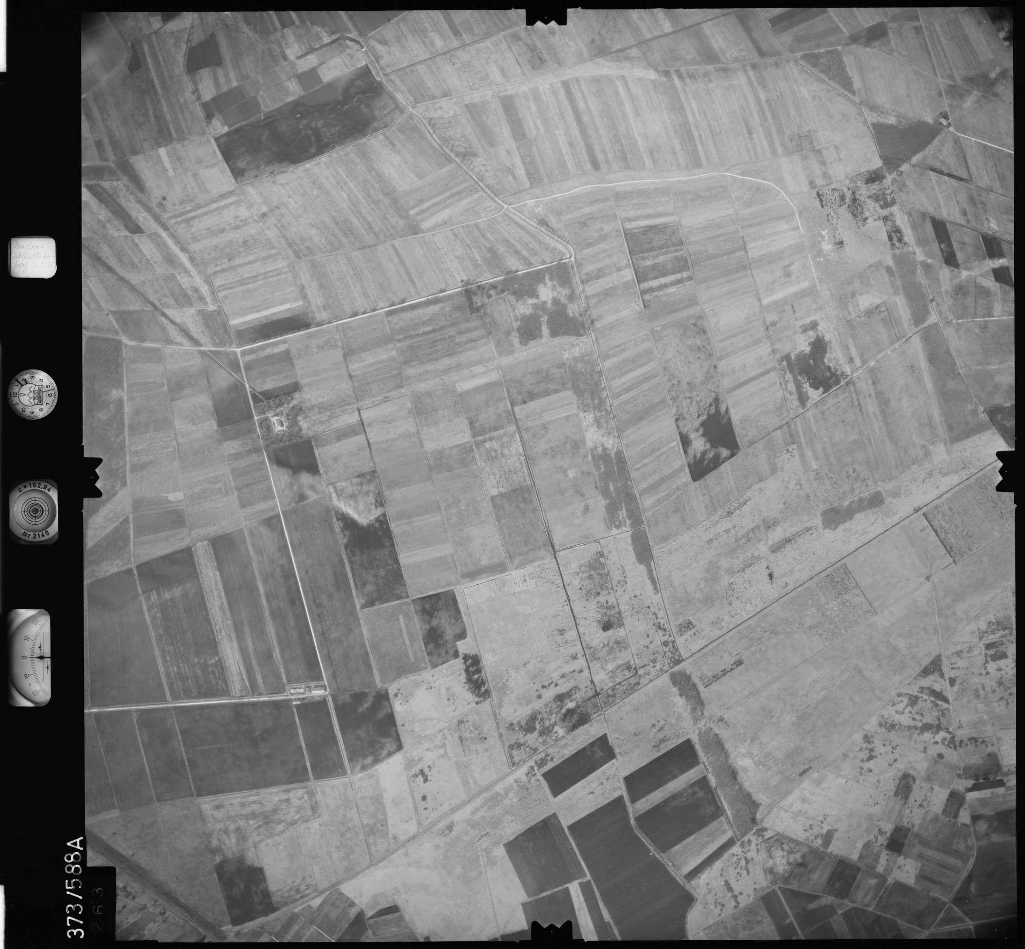 Luftbild: Film 35 Bildnr. 263, Bild 1