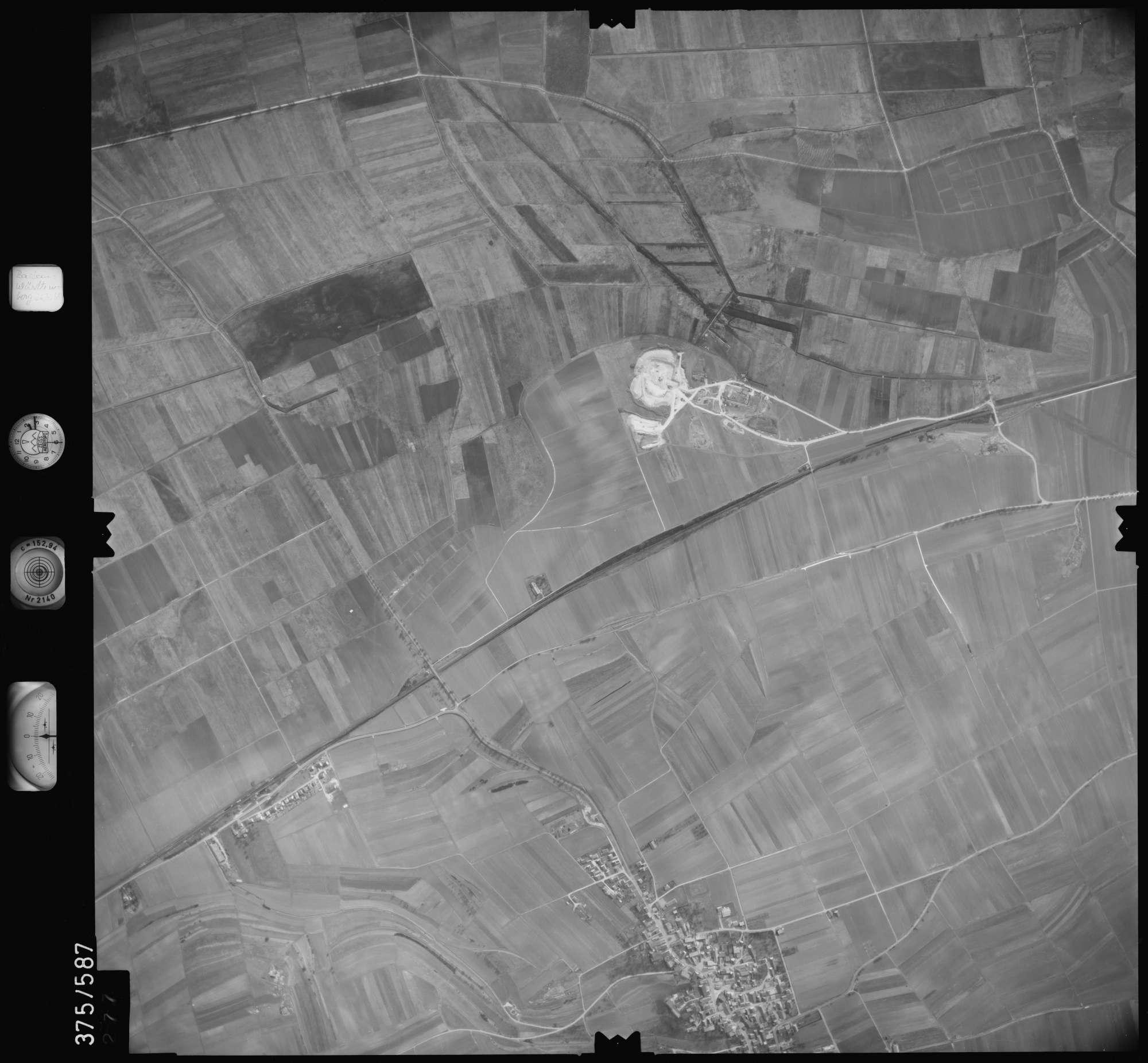 Luftbild: Film 35 Bildnr. 277, Bild 1