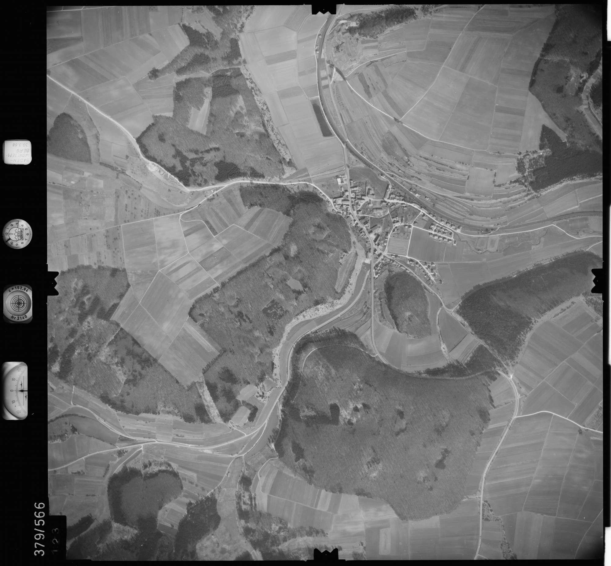 Luftbild: Film 27 Bildnr. 123, Bild 1