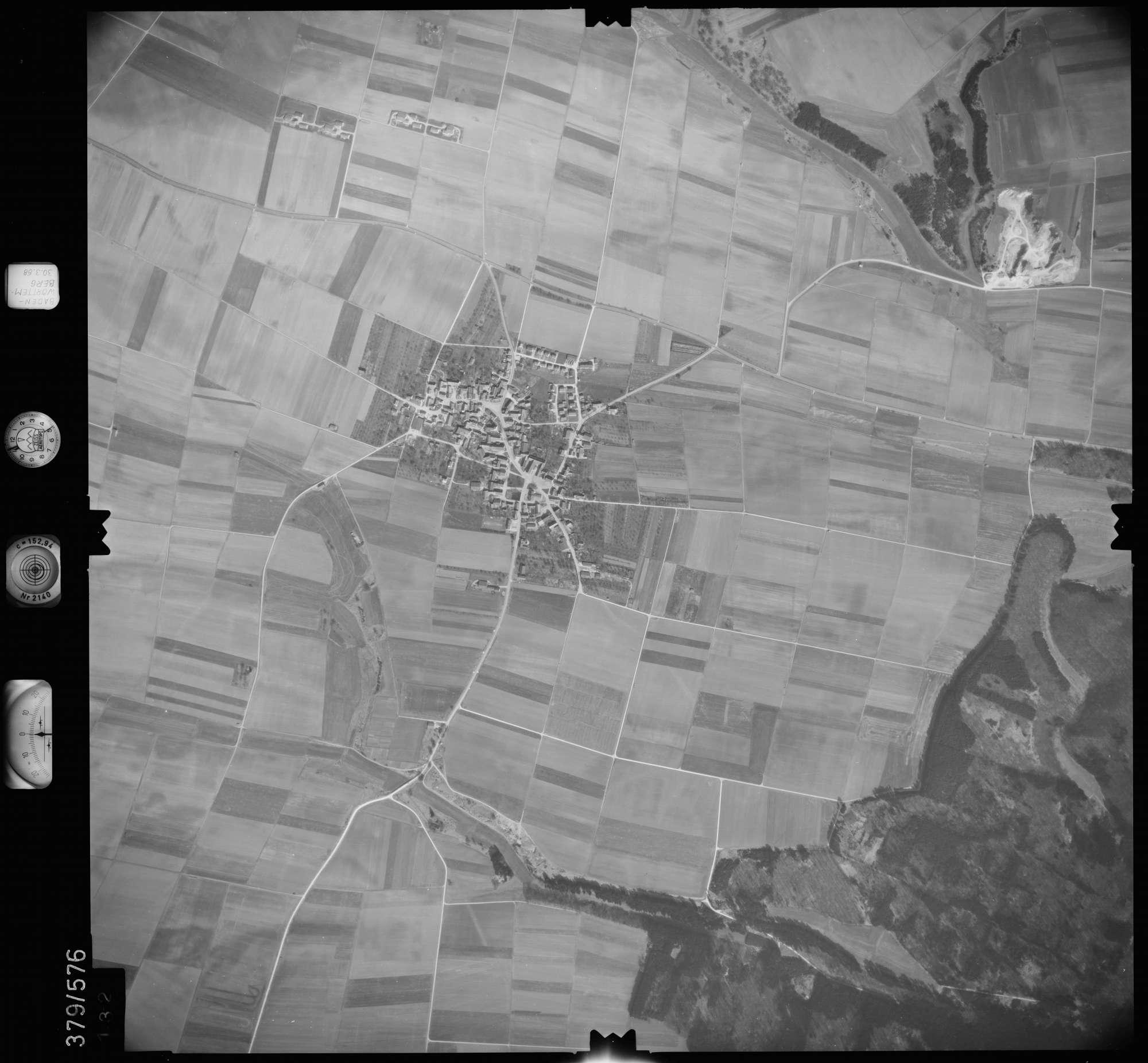 Luftbild: Film 27 Bildnr. 132, Bild 1