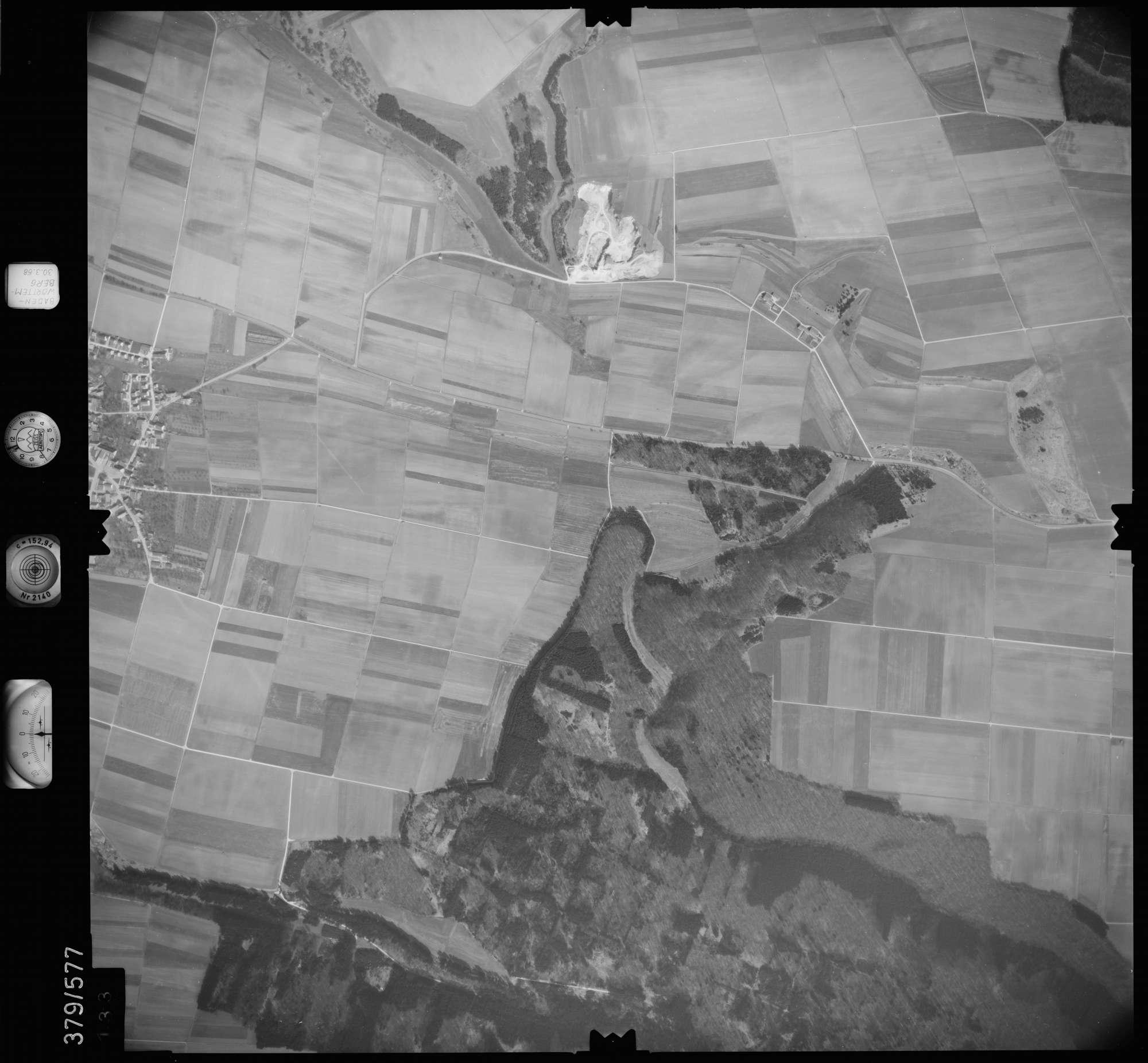 Luftbild: Film 27 Bildnr. 133, Bild 1