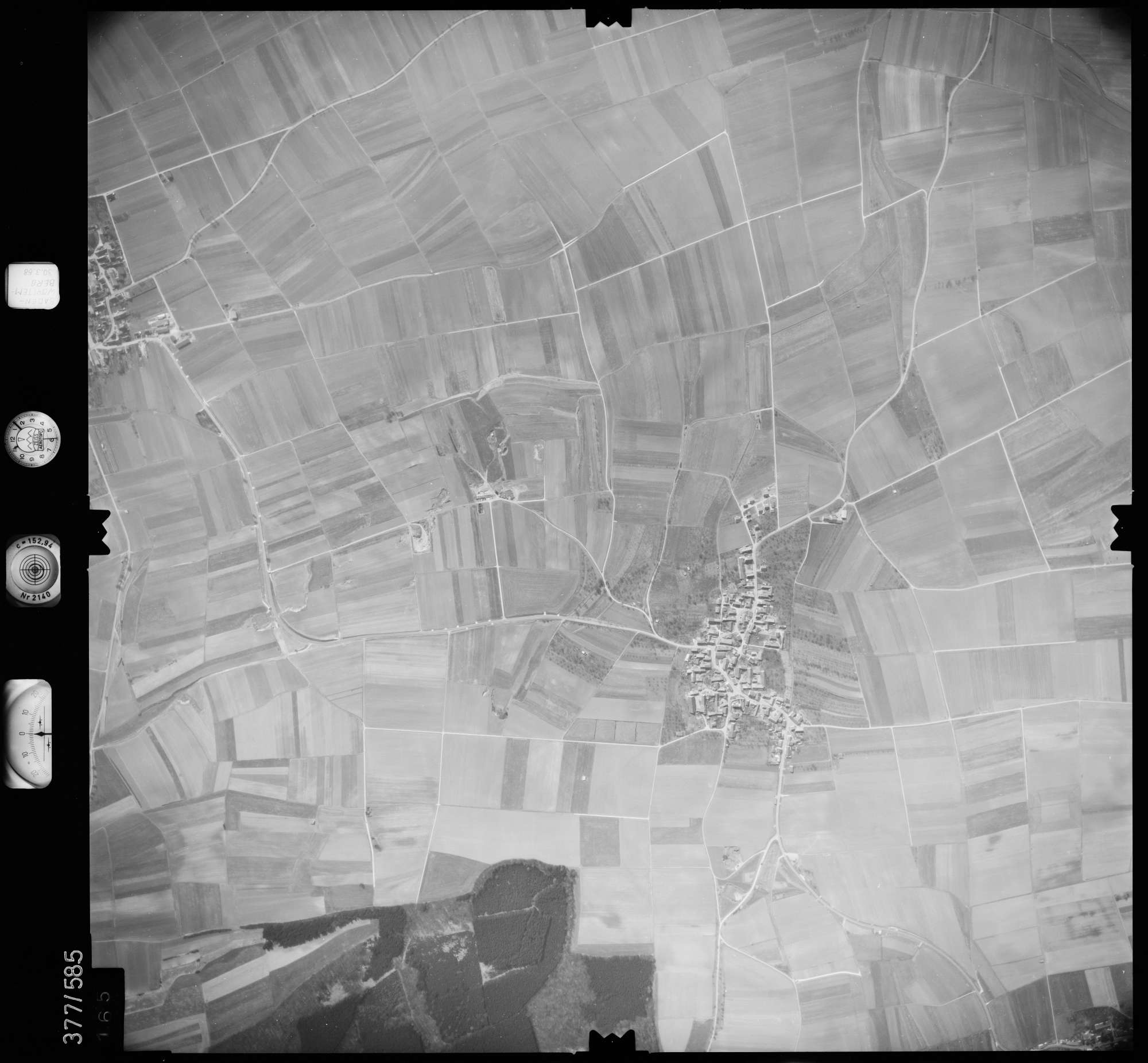 Luftbild: Film 27 Bildnr. 165, Bild 1