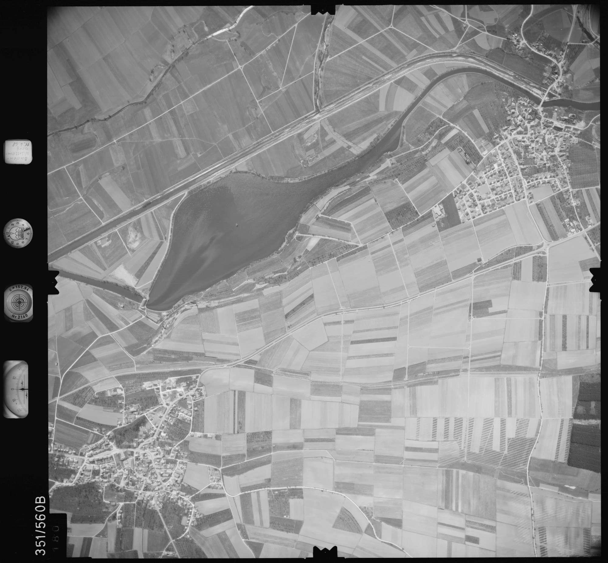 Luftbild: Film 105 Bildnr. 180, Bild 1