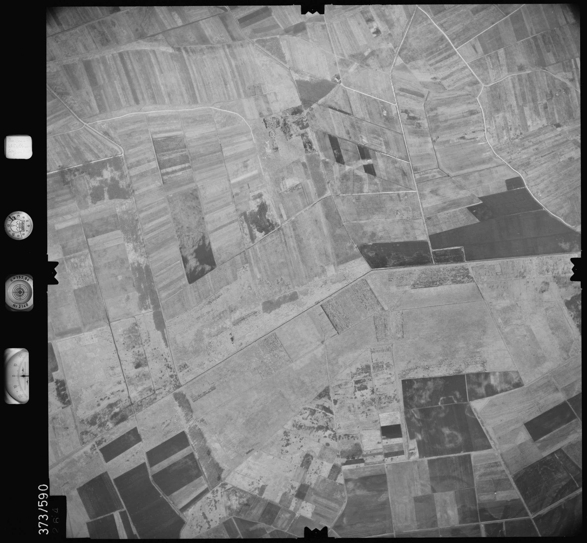 Luftbild: Film 35 Bildnr. 264, Bild 1