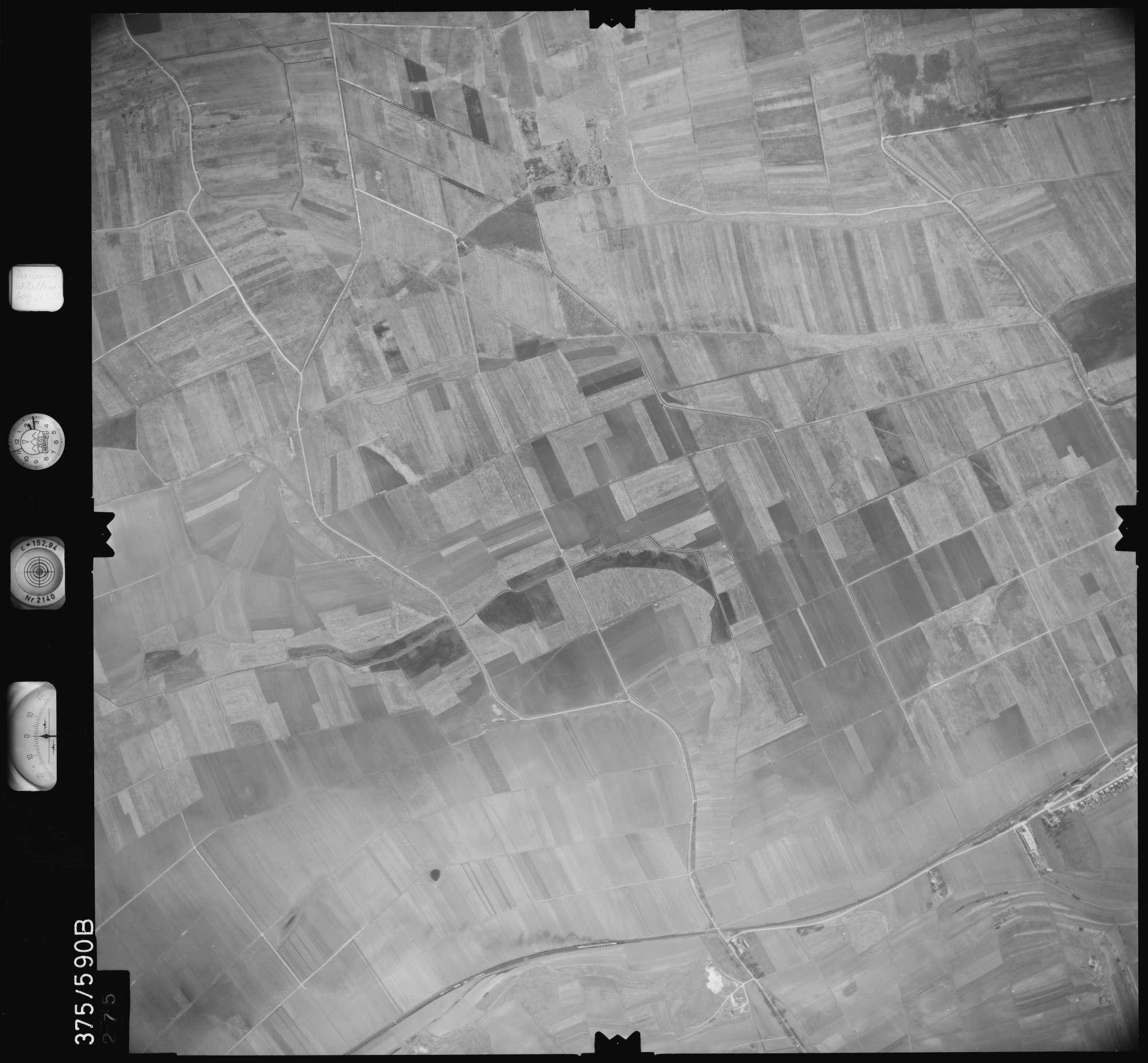Luftbild: Film 35 Bildnr. 275, Bild 1