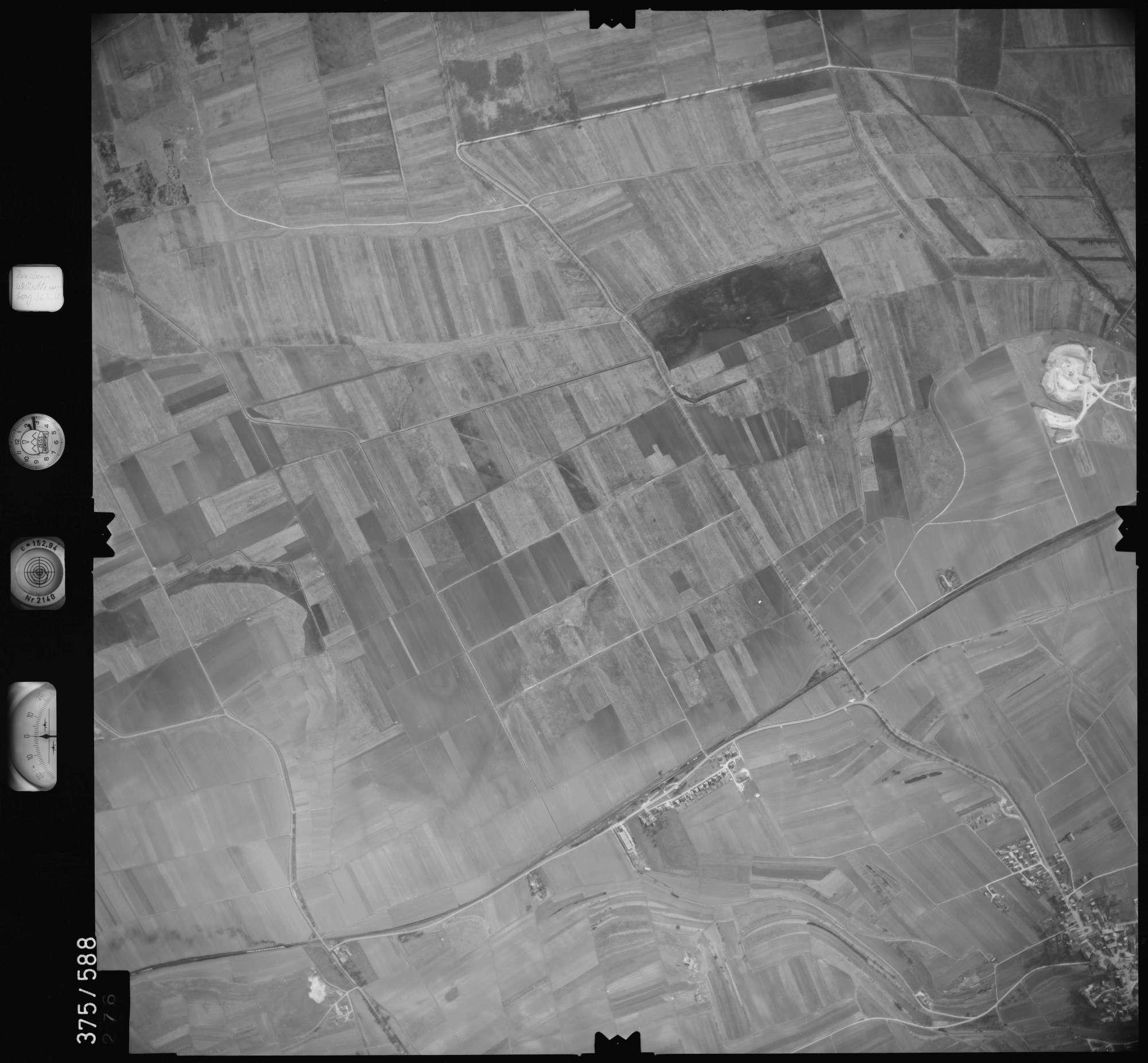 Luftbild: Film 35 Bildnr. 276, Bild 1