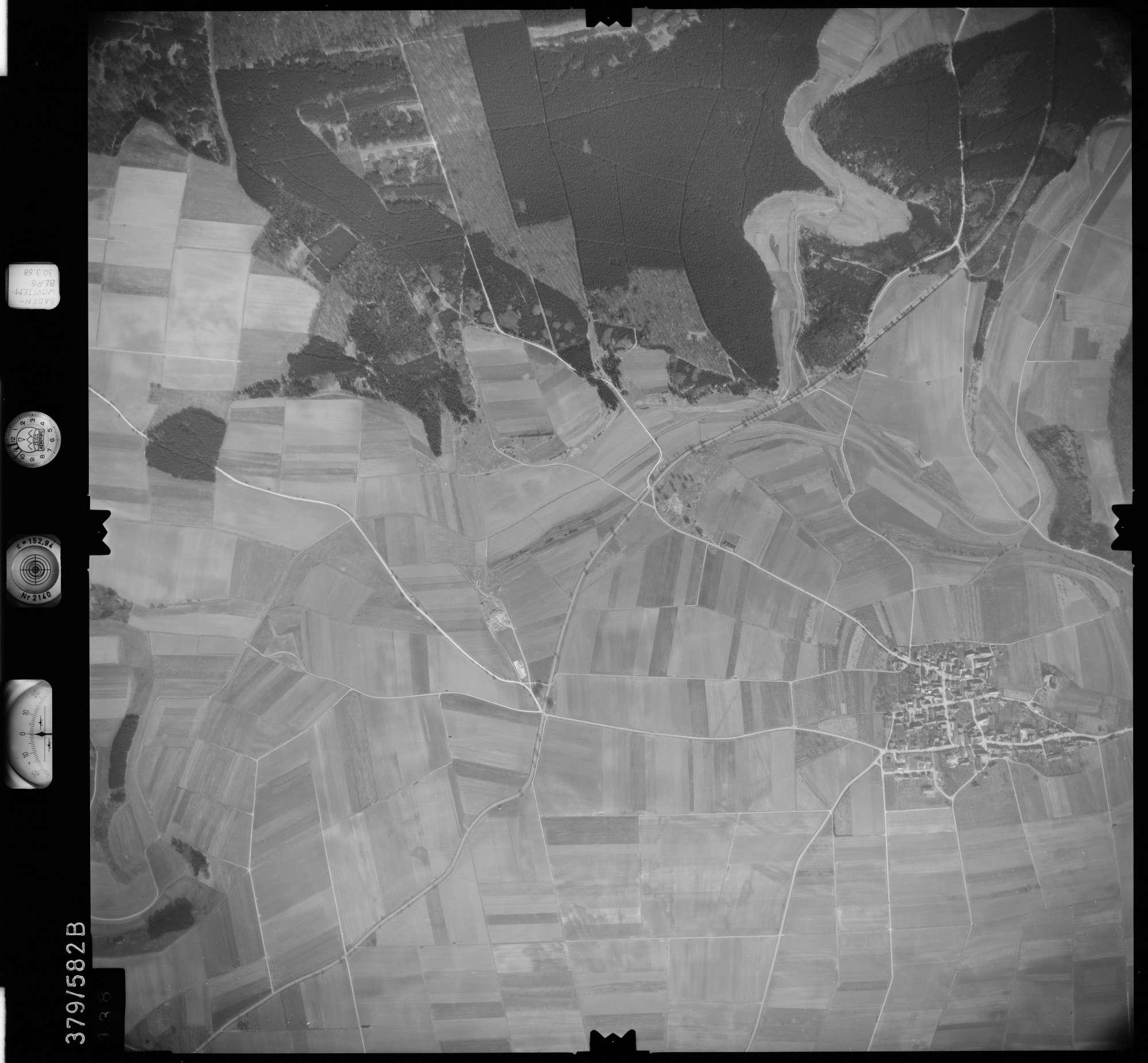 Luftbild: Film 27 Bildnr. 138, Bild 1