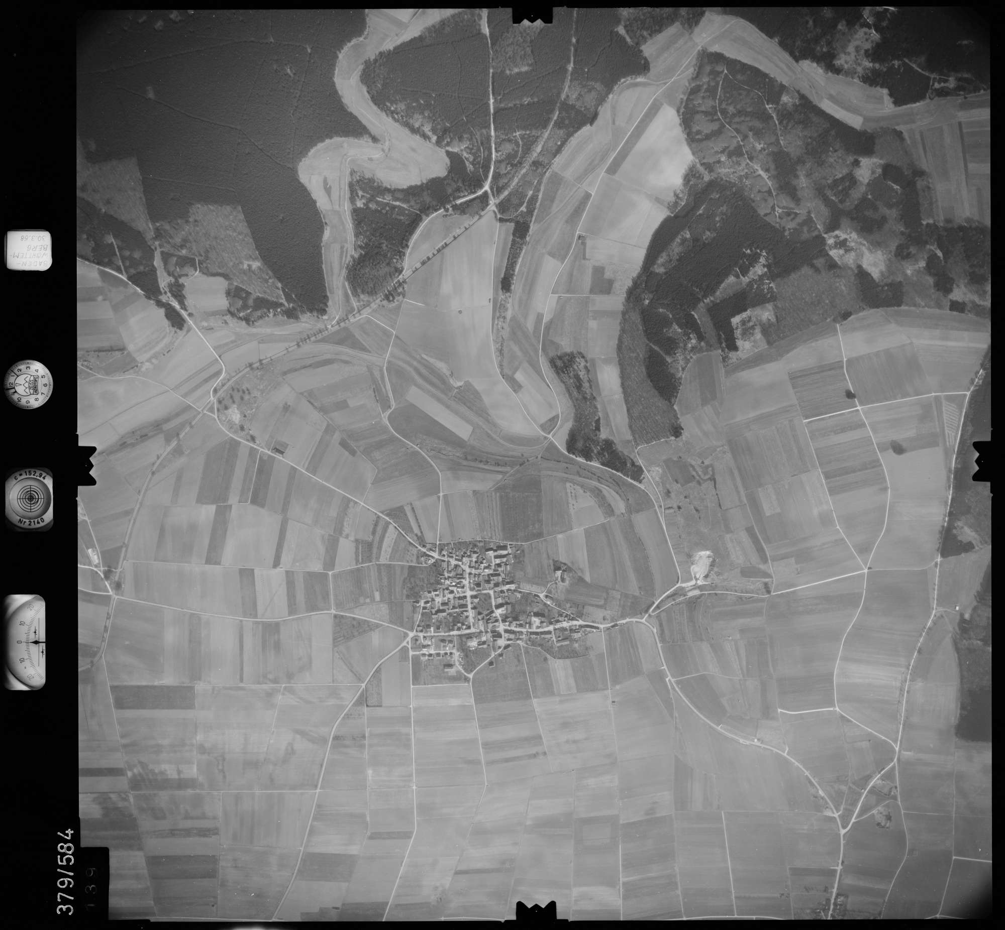 Luftbild: Film 27 Bildnr. 139, Bild 1