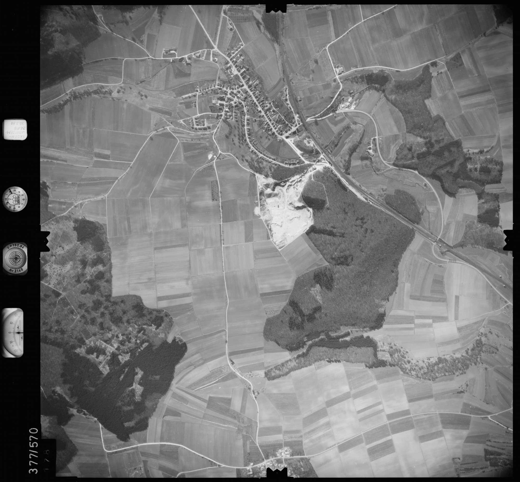 Luftbild: Film 27 Bildnr. 178, Bild 1