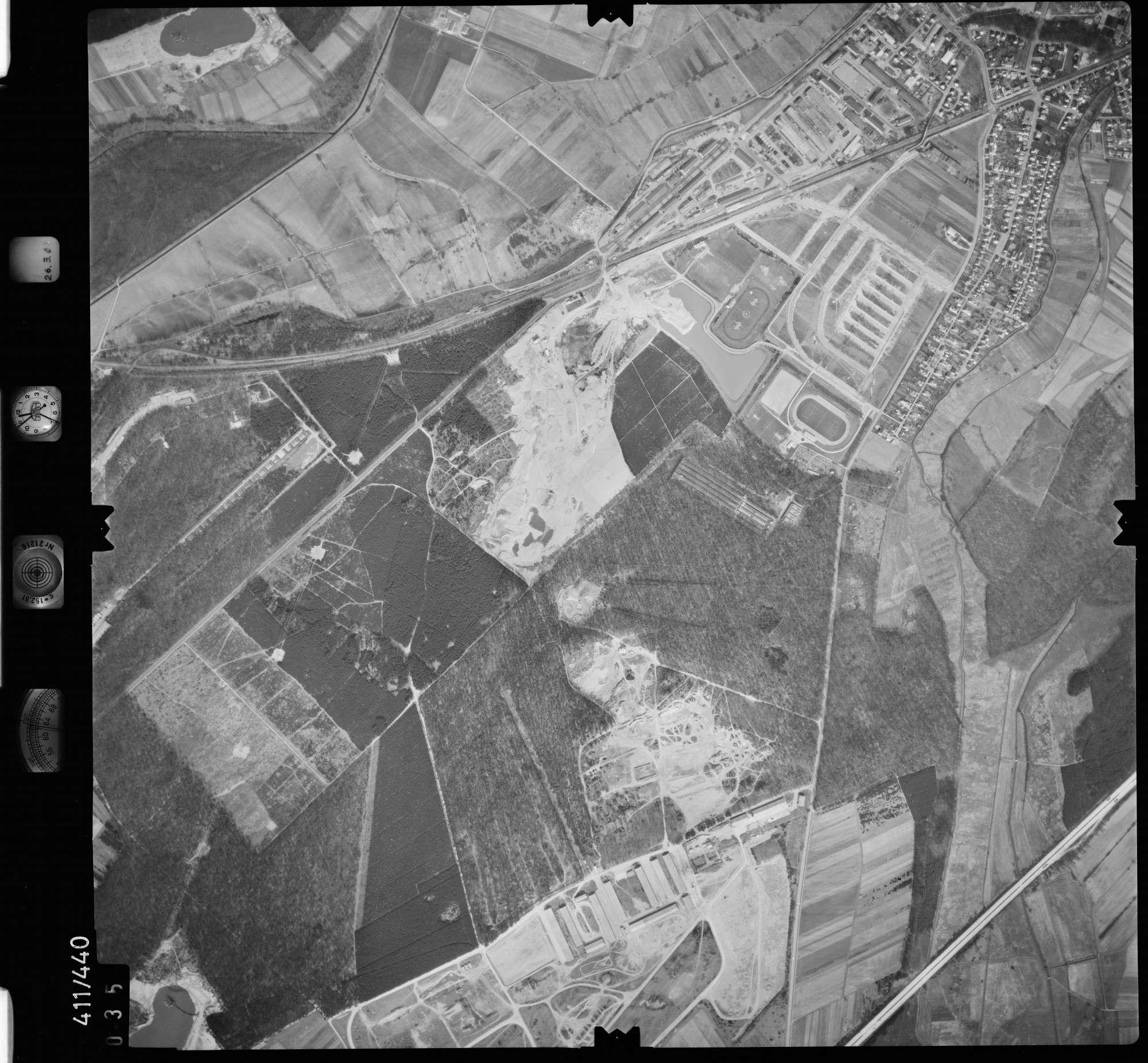 Luftbild: Film 8 Bildnr. 35, Bild 1