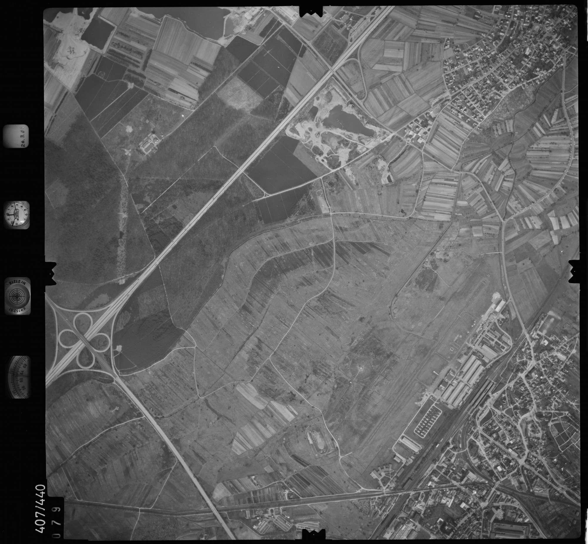 Luftbild: Film 8 Bildnr. 79, Bild 1