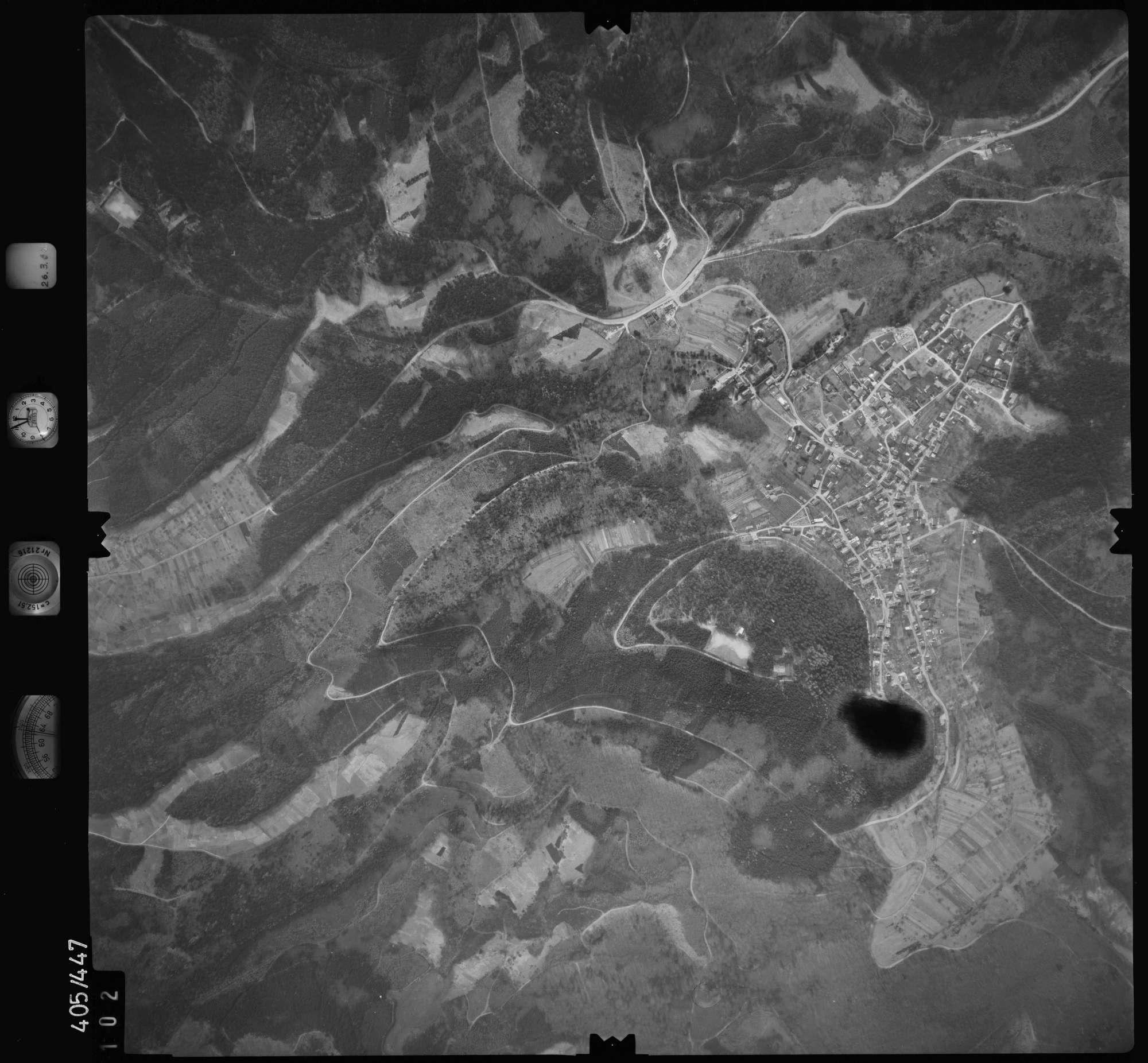 Luftbild: Film 8 Bildnr. 102, Bild 1