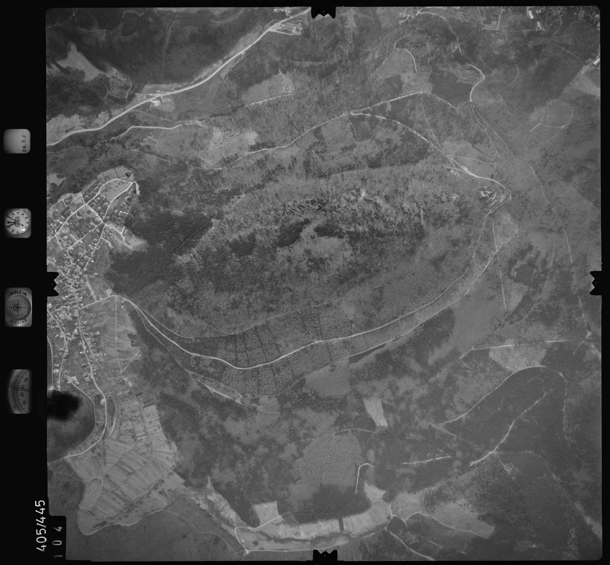 Luftbild: Film 8 Bildnr. 104, Bild 1