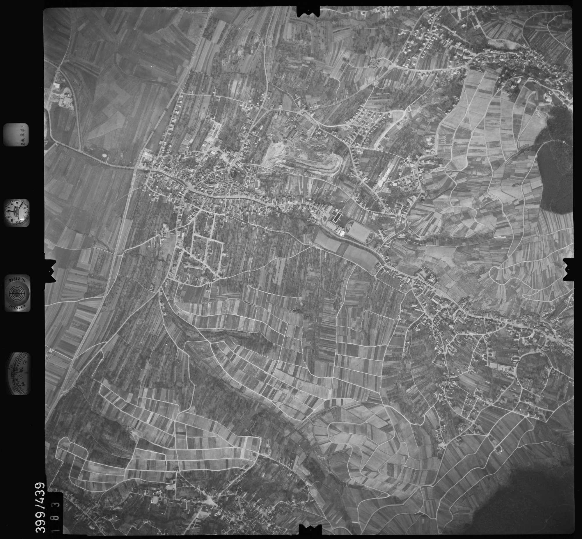 Luftbild: Film 8 Bildnr. 183, Bild 1