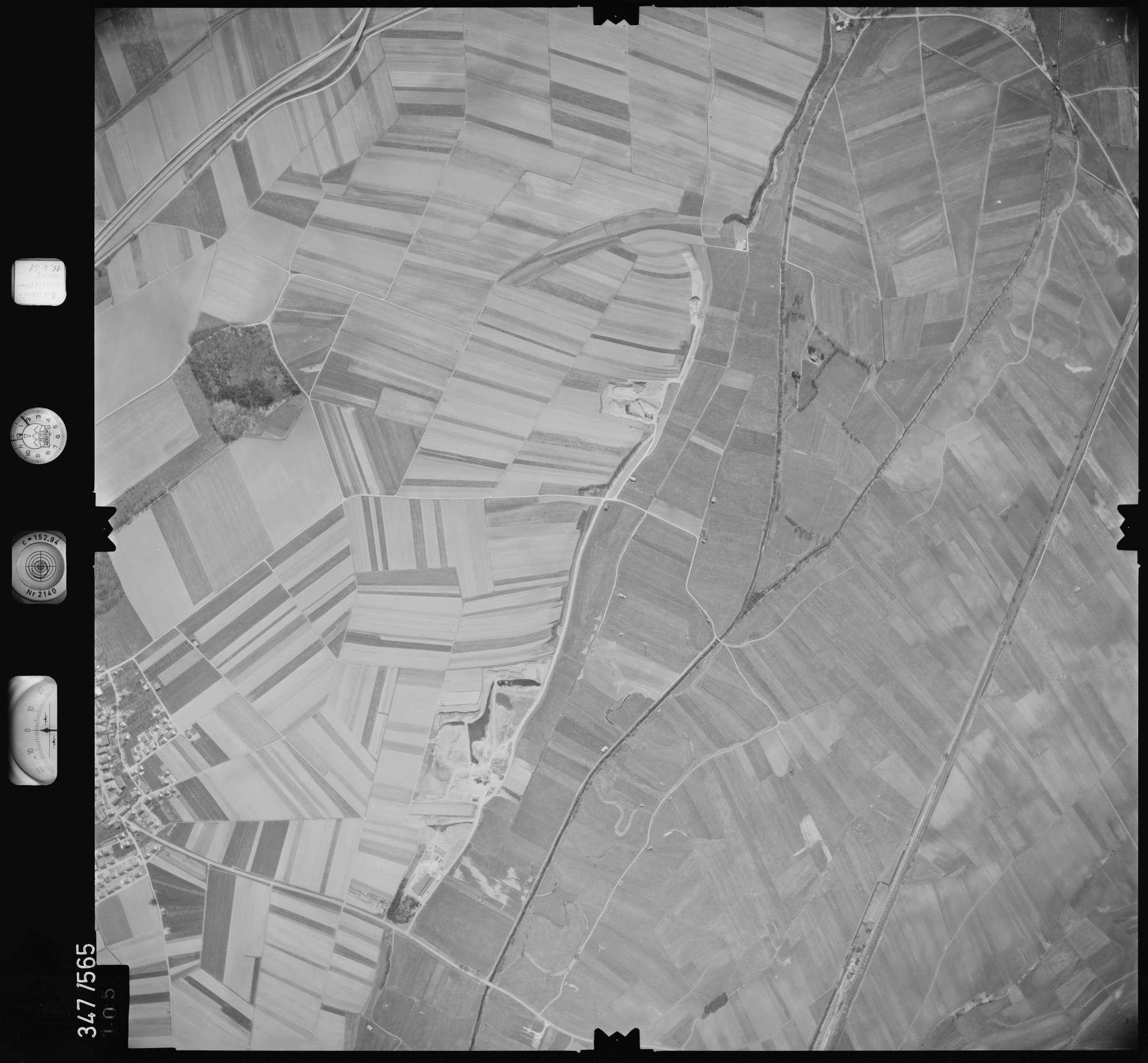 Luftbild: Film 45 Bildnr. 105, Bild 1