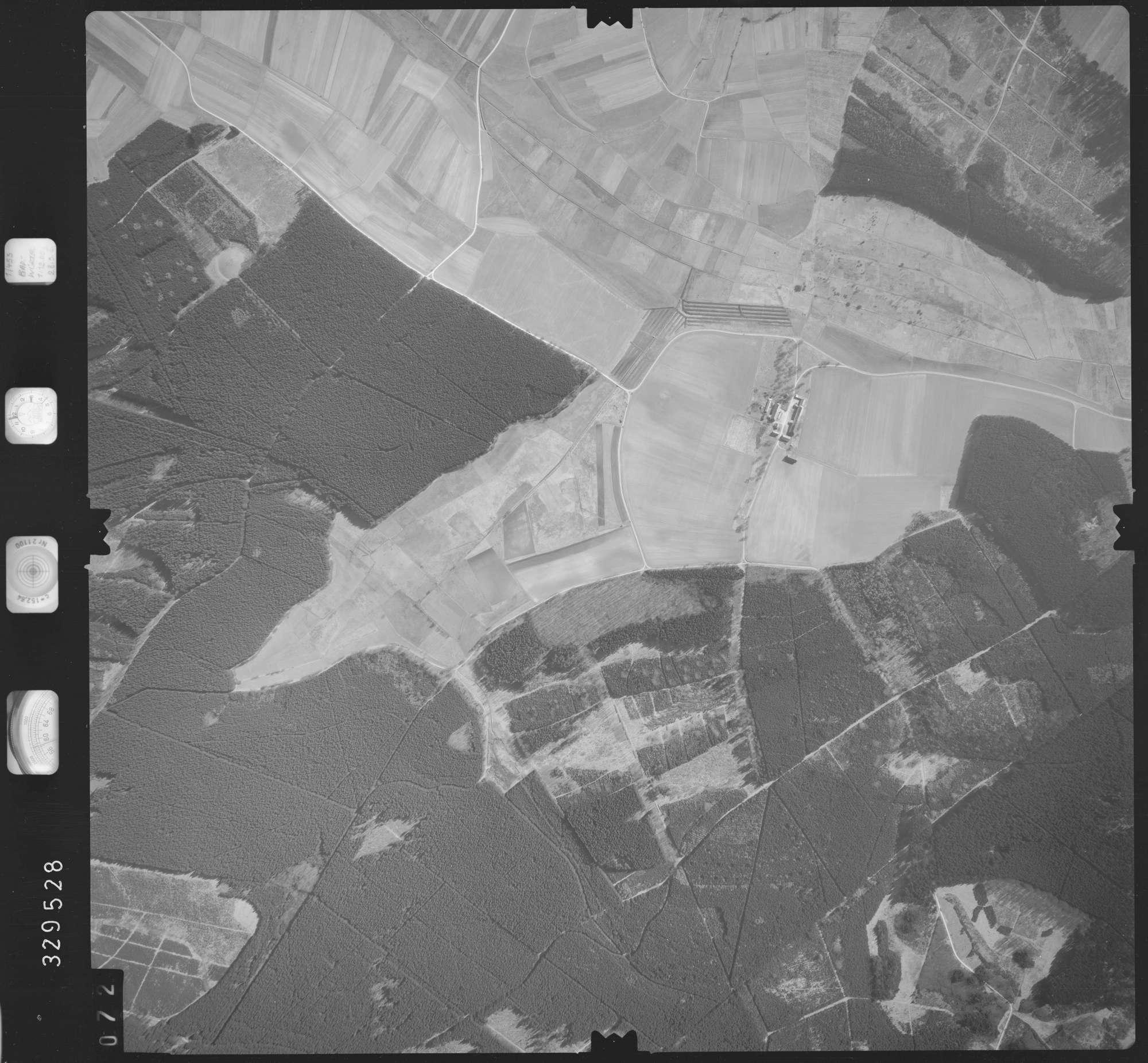 Luftbild: Film 51 Bildnr. 72, Bild 1