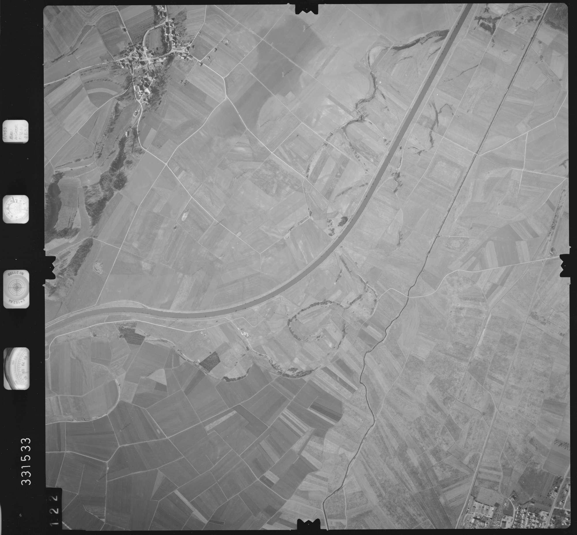 Luftbild: Film 51 Bildnr. 122, Bild 1