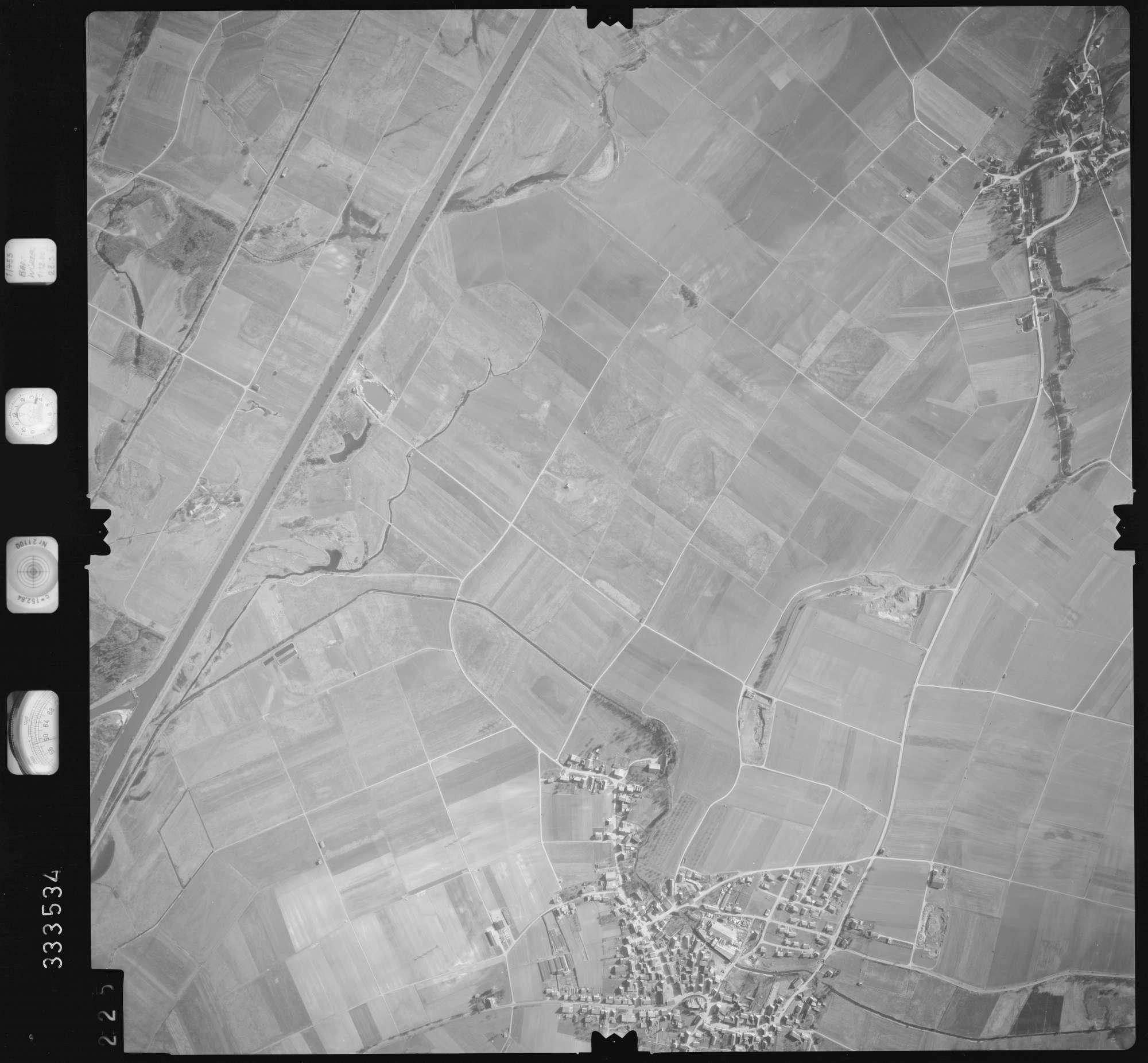 Luftbild: Film 51 Bildnr. 225, Bild 1