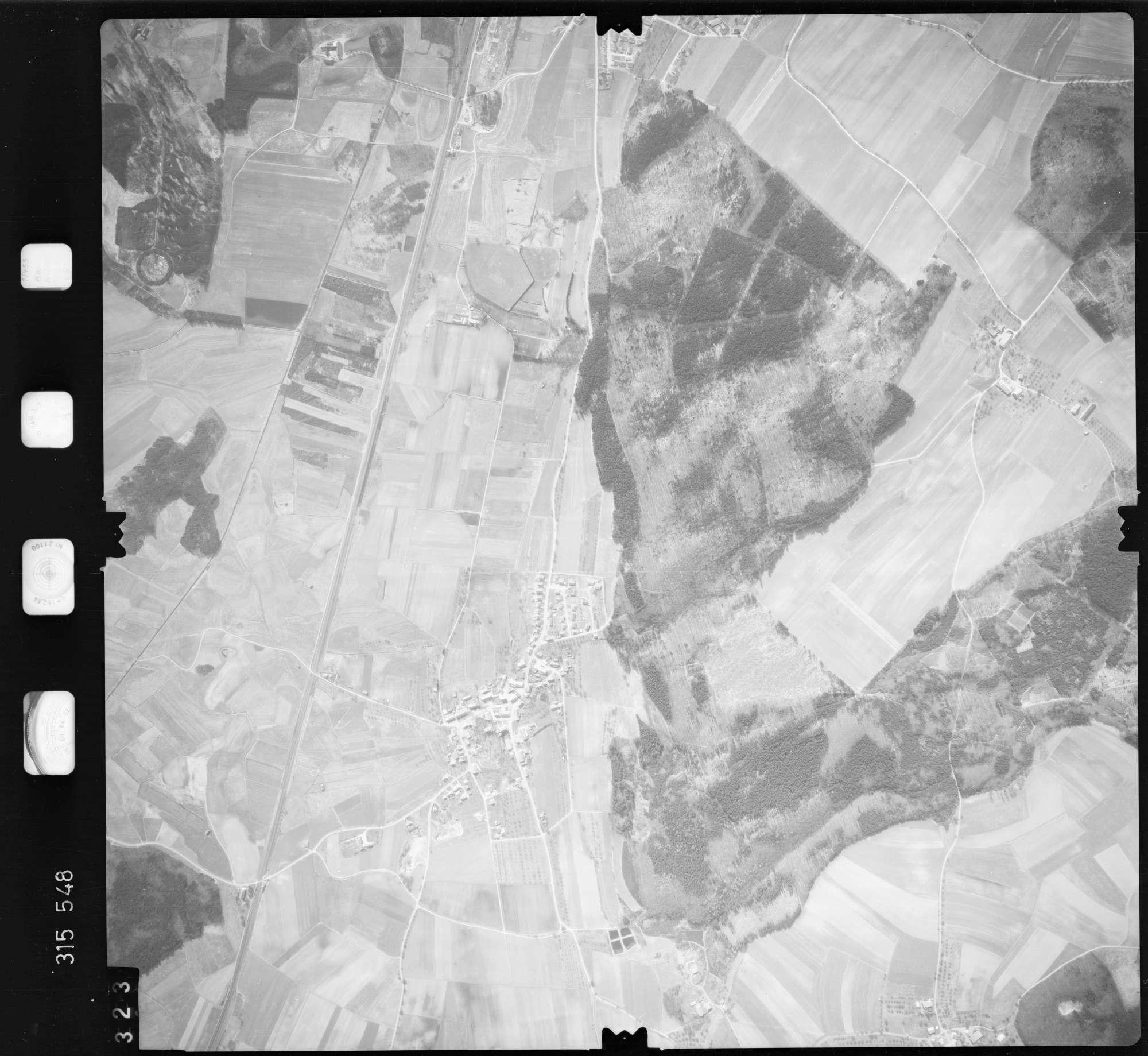 Luftbild: Film 58 Bildnr. 323, Bild 1