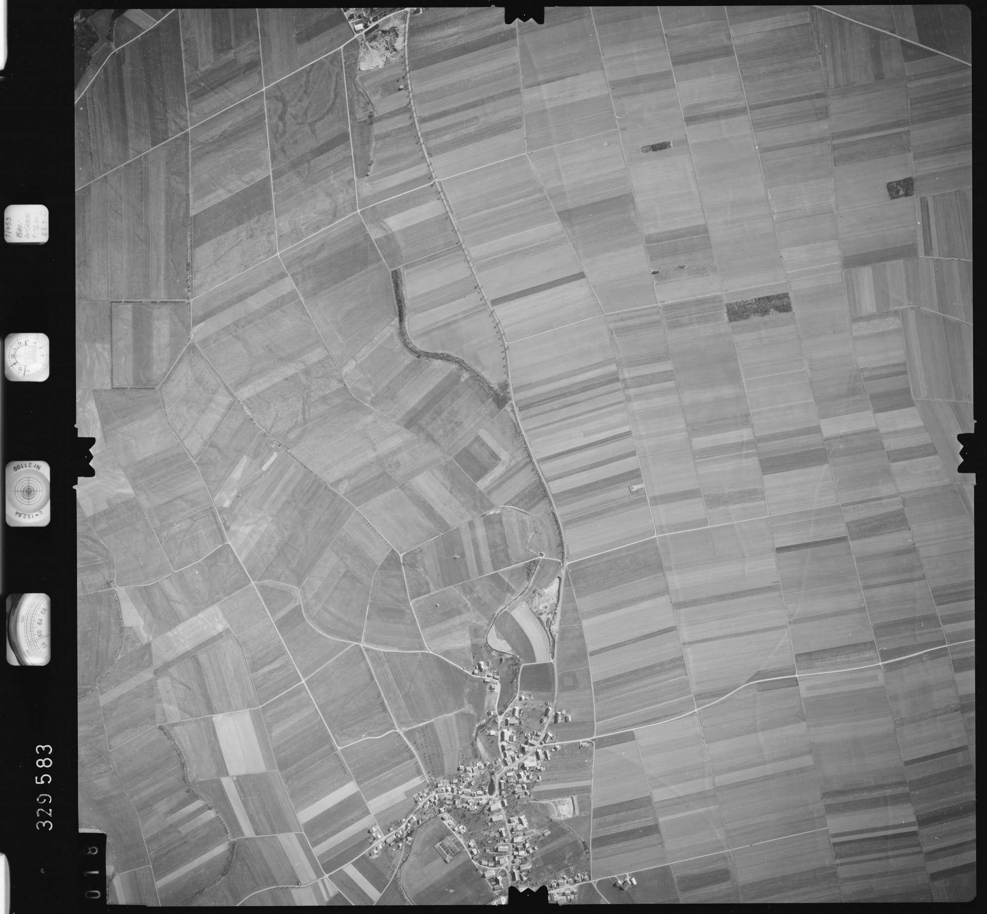 Luftbild: Film 51 Bildnr. 18, Bild 1