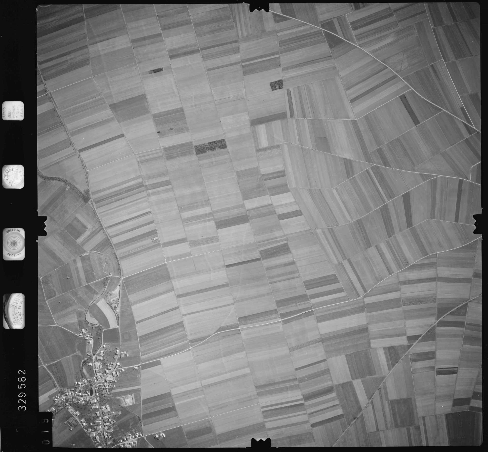 Luftbild: Film 51 Bildnr. 19, Bild 1