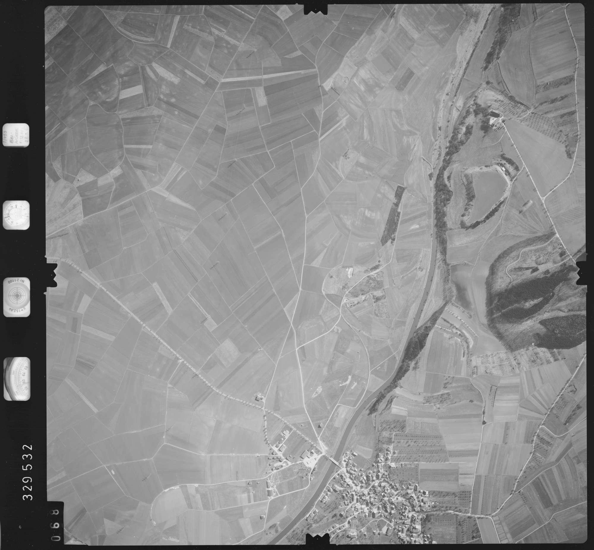 Luftbild: Film 51 Bildnr. 68, Bild 1