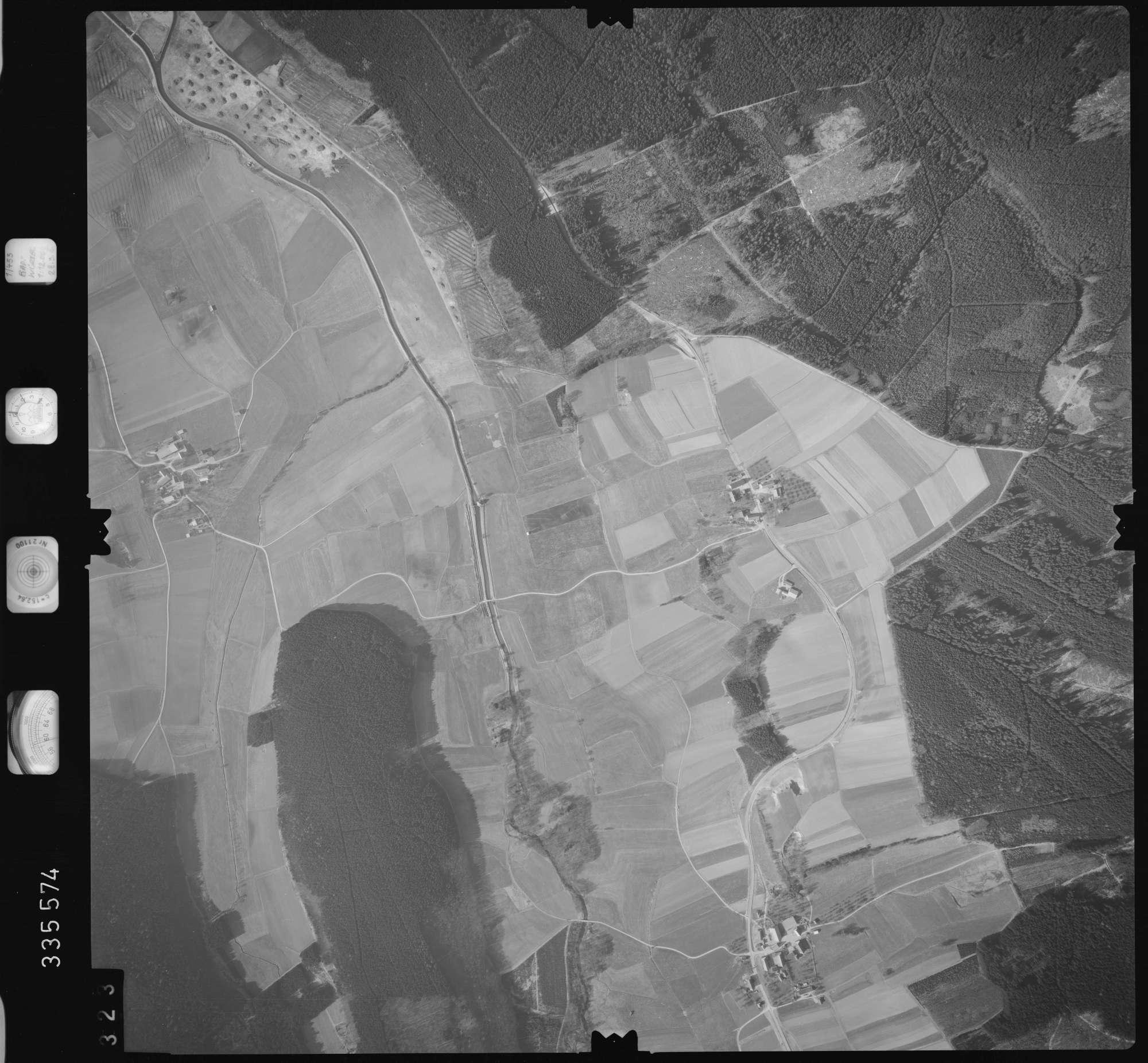 Luftbild: Film 51 Bildnr. 323, Bild 1