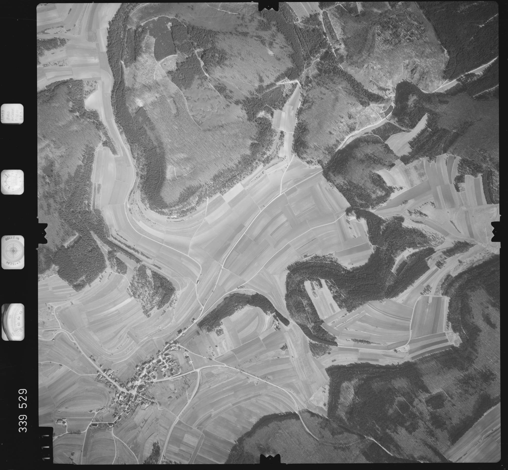 Luftbild: Film 50 Bildnr. 111, Bild 1