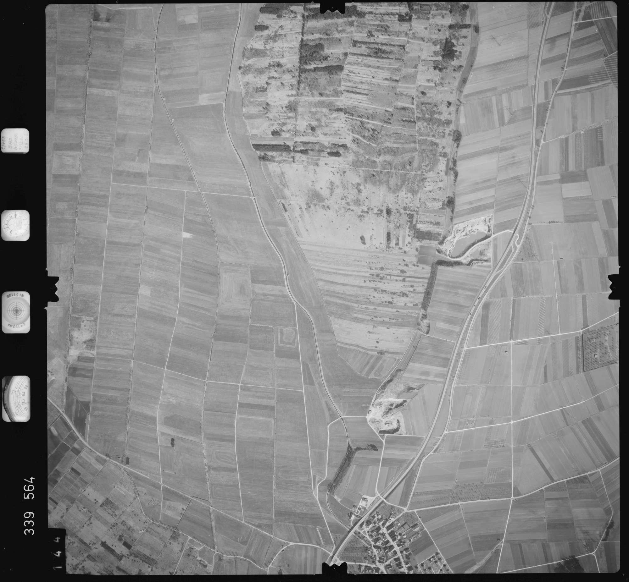 Luftbild: Film 50 Bildnr. 144, Bild 1