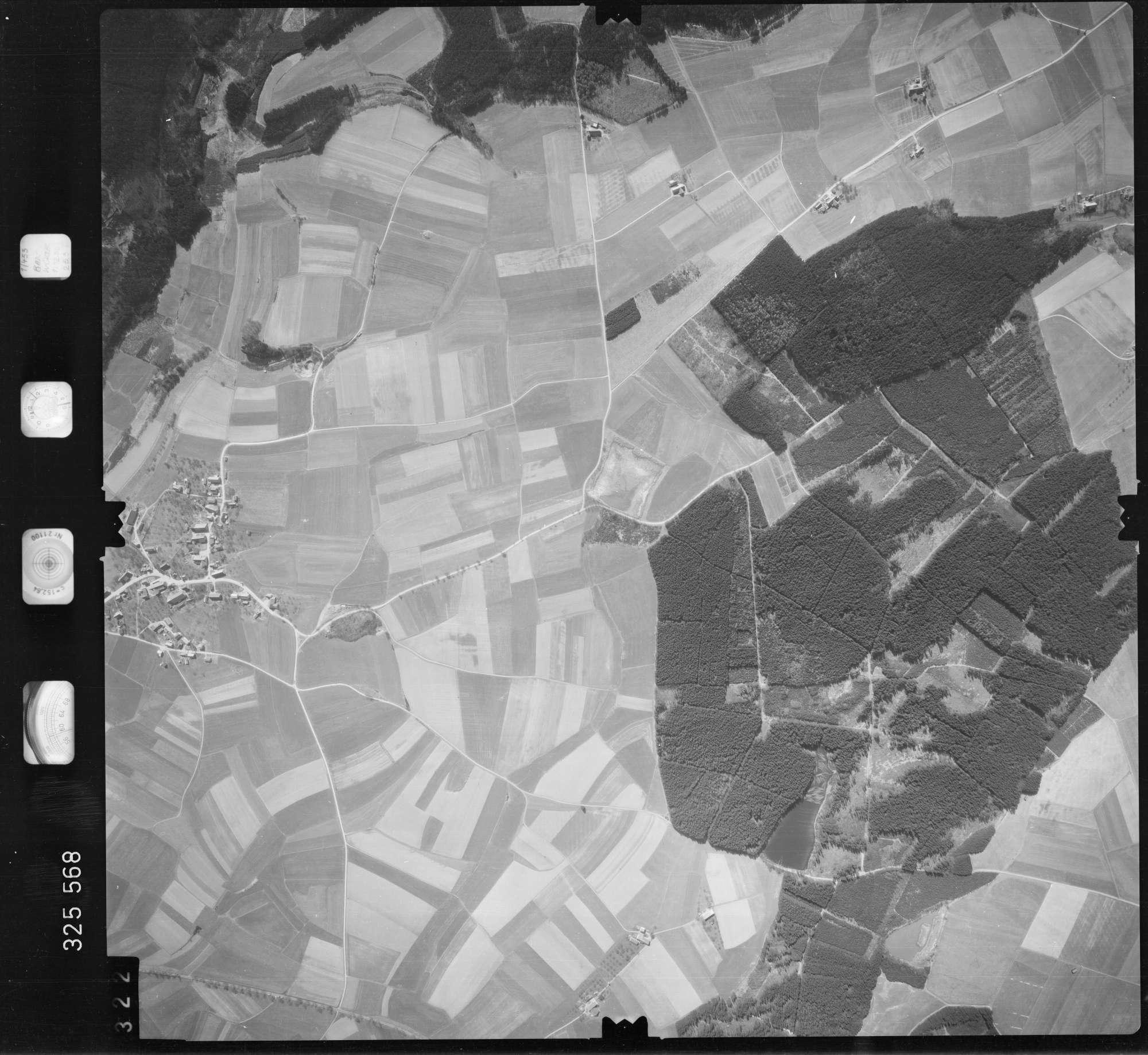 Luftbild: Film 52 Bildnr. 322, Bild 1