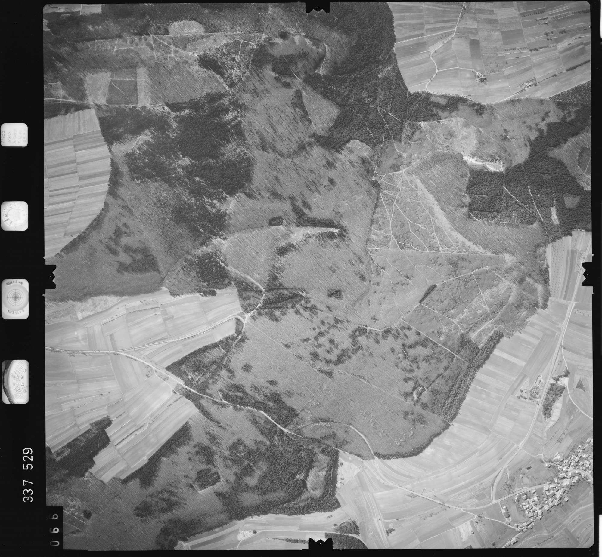 Luftbild: Film 50 Bildnr. 66, Bild 1