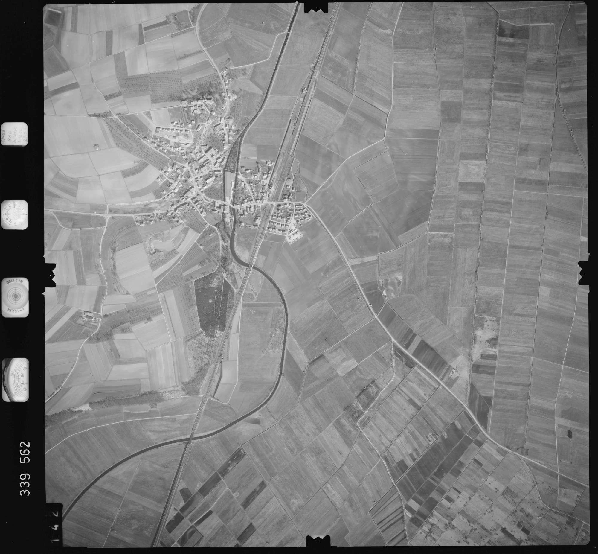 Luftbild: Film 50 Bildnr. 142, Bild 1