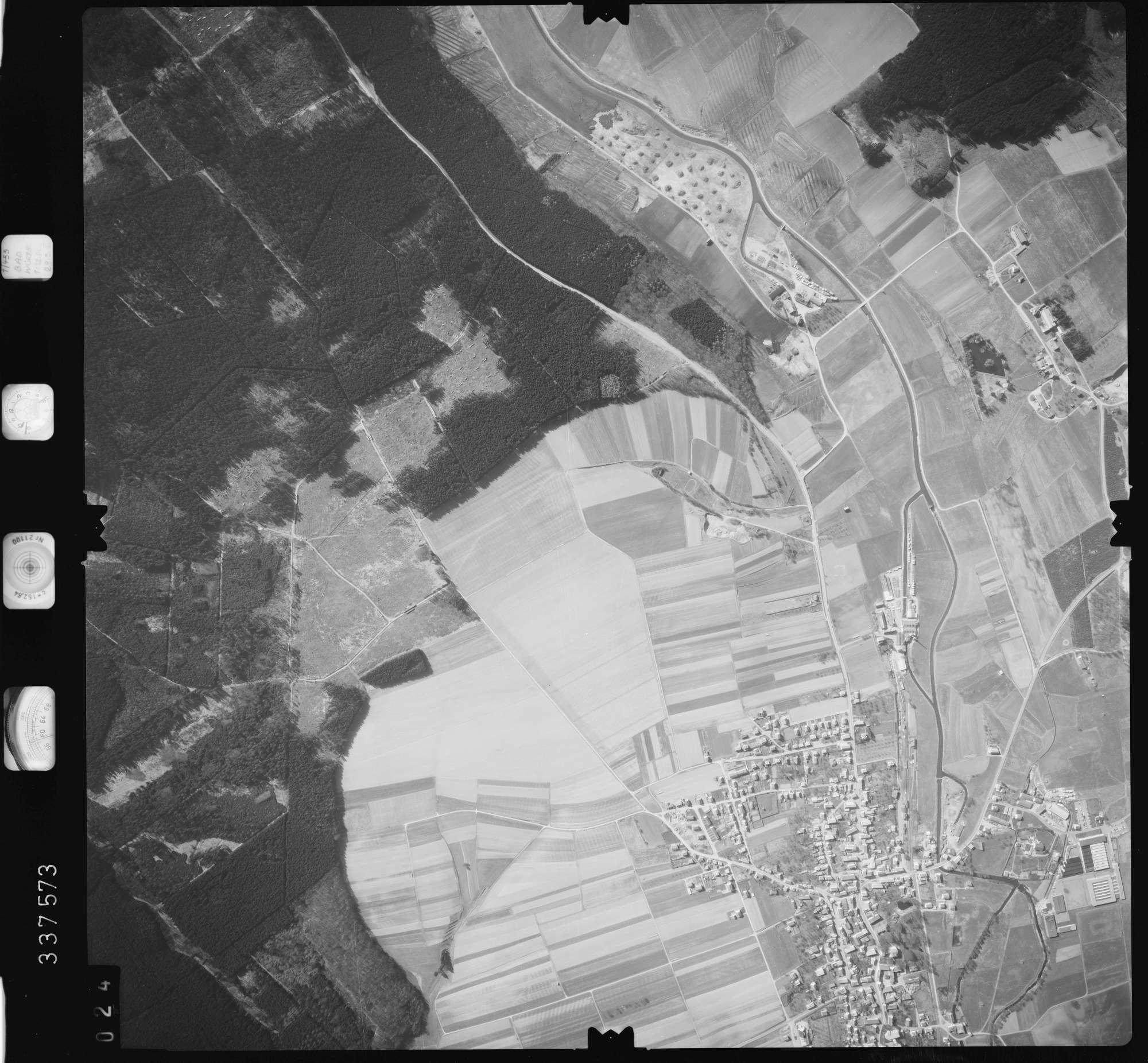 Luftbild: Film 50 Bildnr. 24, Bild 1